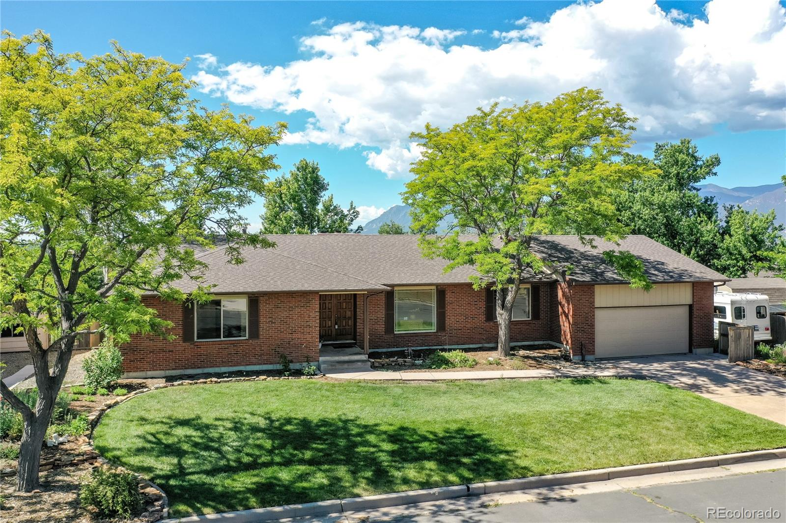 1709 Columbine Road Property Photo - Colorado Springs, CO real estate listing