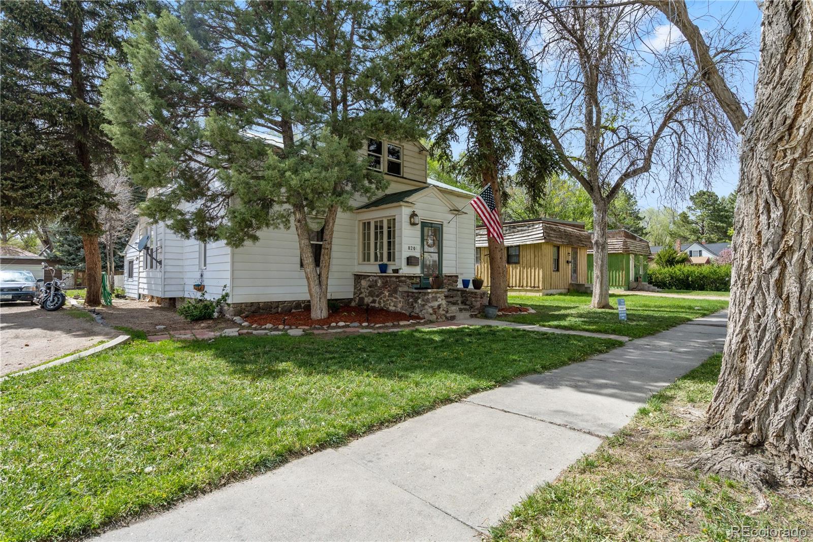 820 Breeze Street Property Photo