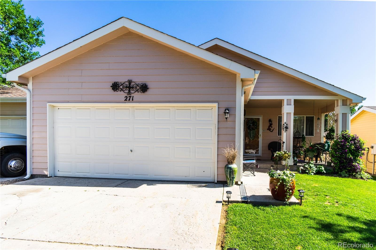 271 Acacia Drive Property Photo - Loveland, CO real estate listing