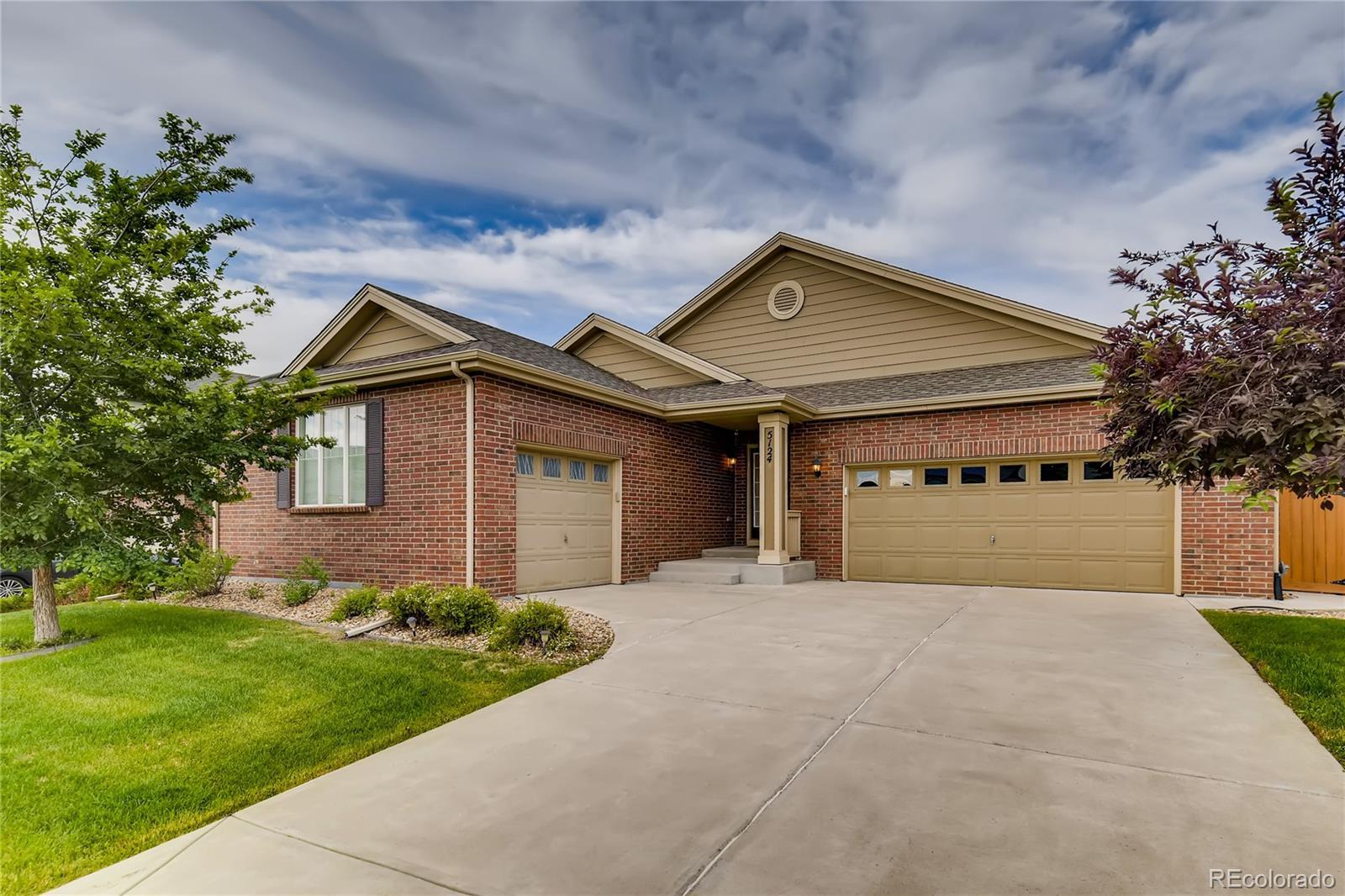 5124 S Flatrock Street Property Photo - Aurora, CO real estate listing