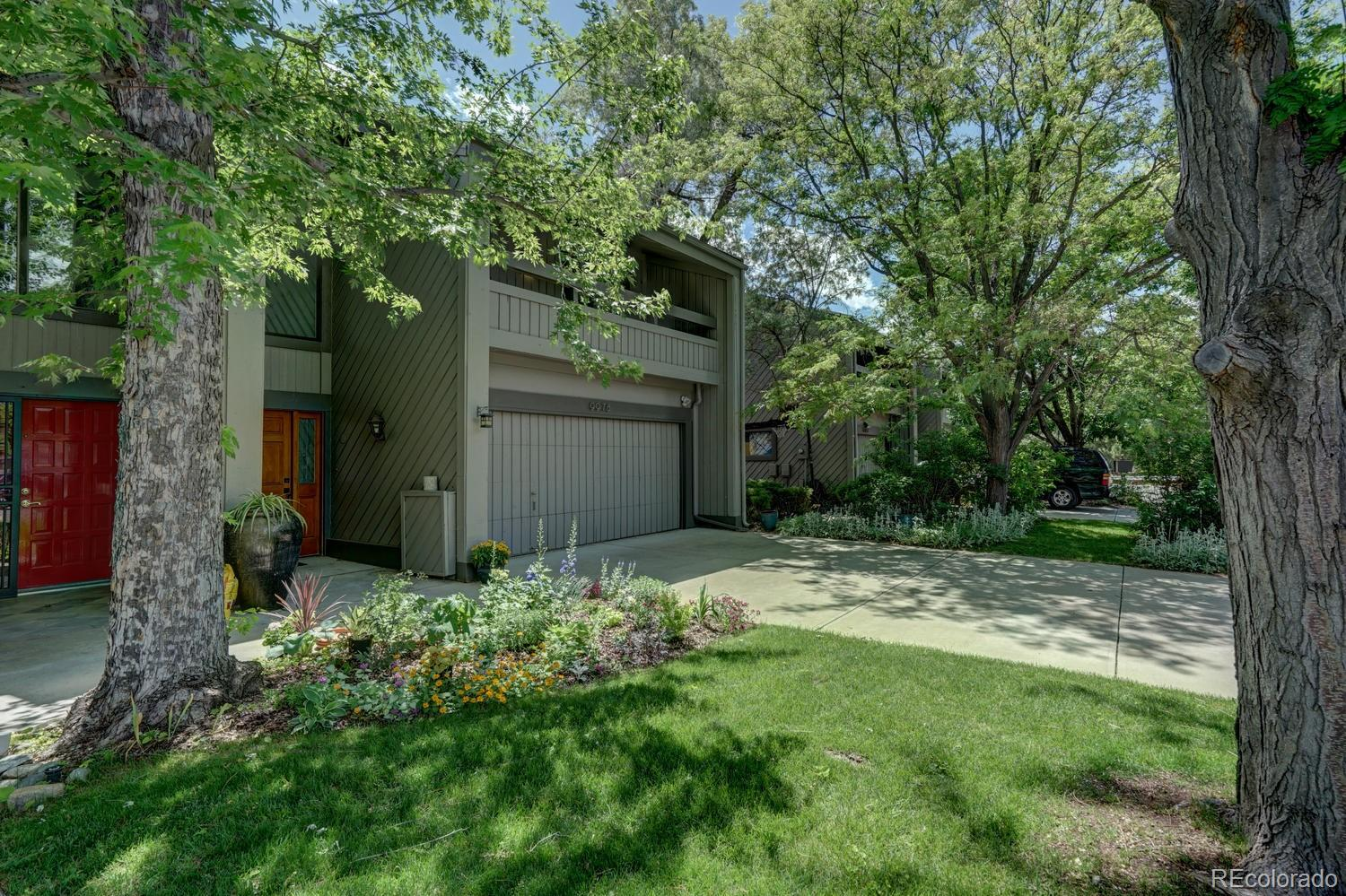 9978 E Maplewood Avenue Property Photo - Englewood, CO real estate listing