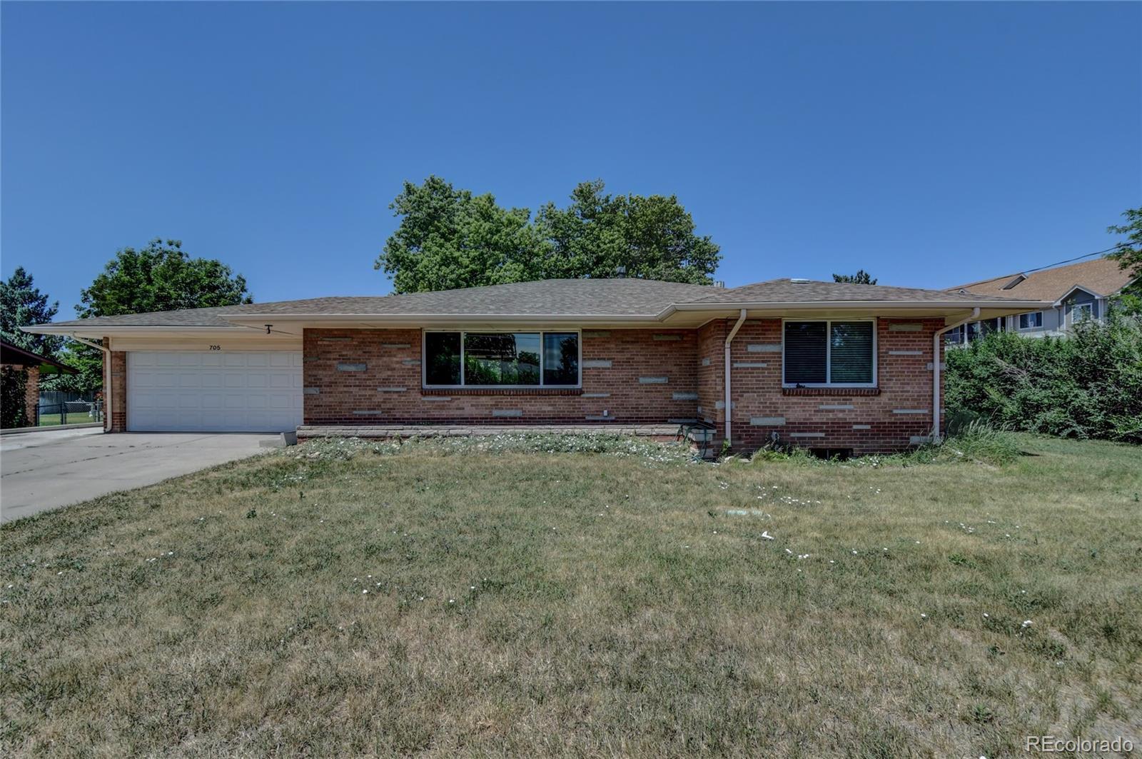 705 S Pierce Street Property Photo - Lakewood, CO real estate listing
