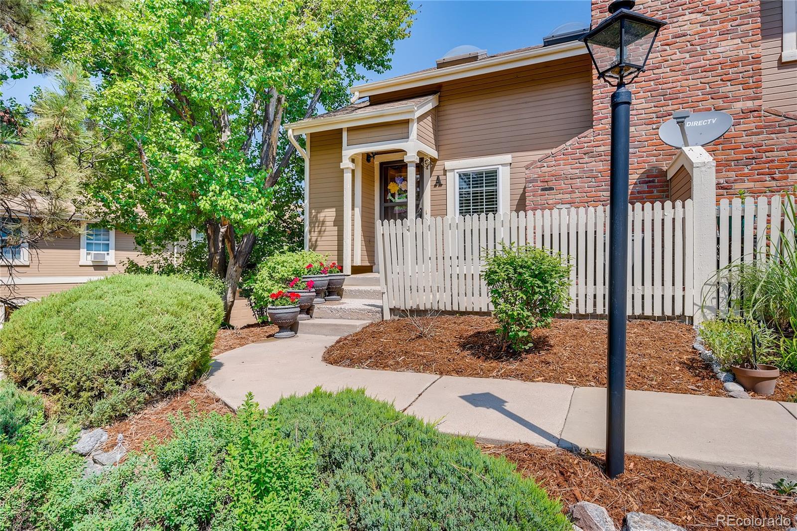 2875 W Long Circle #A Property Photo - Littleton, CO real estate listing