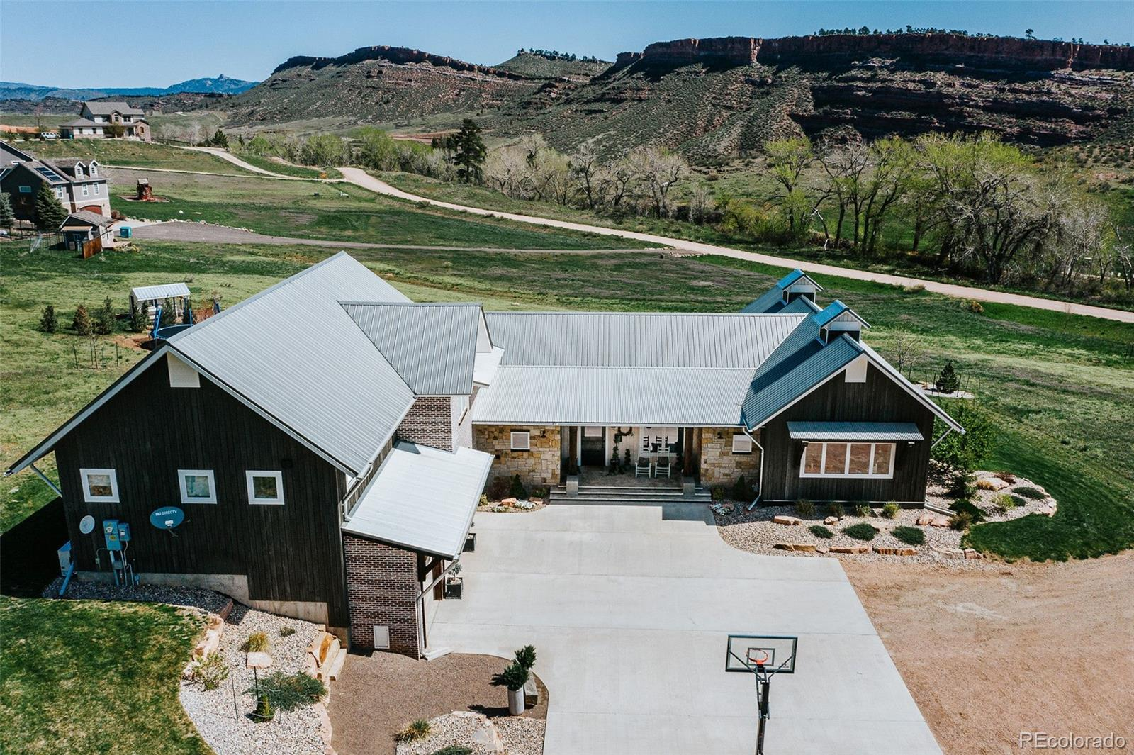 2241 Ellis Ranch Lane Property Photo - Loveland, CO real estate listing