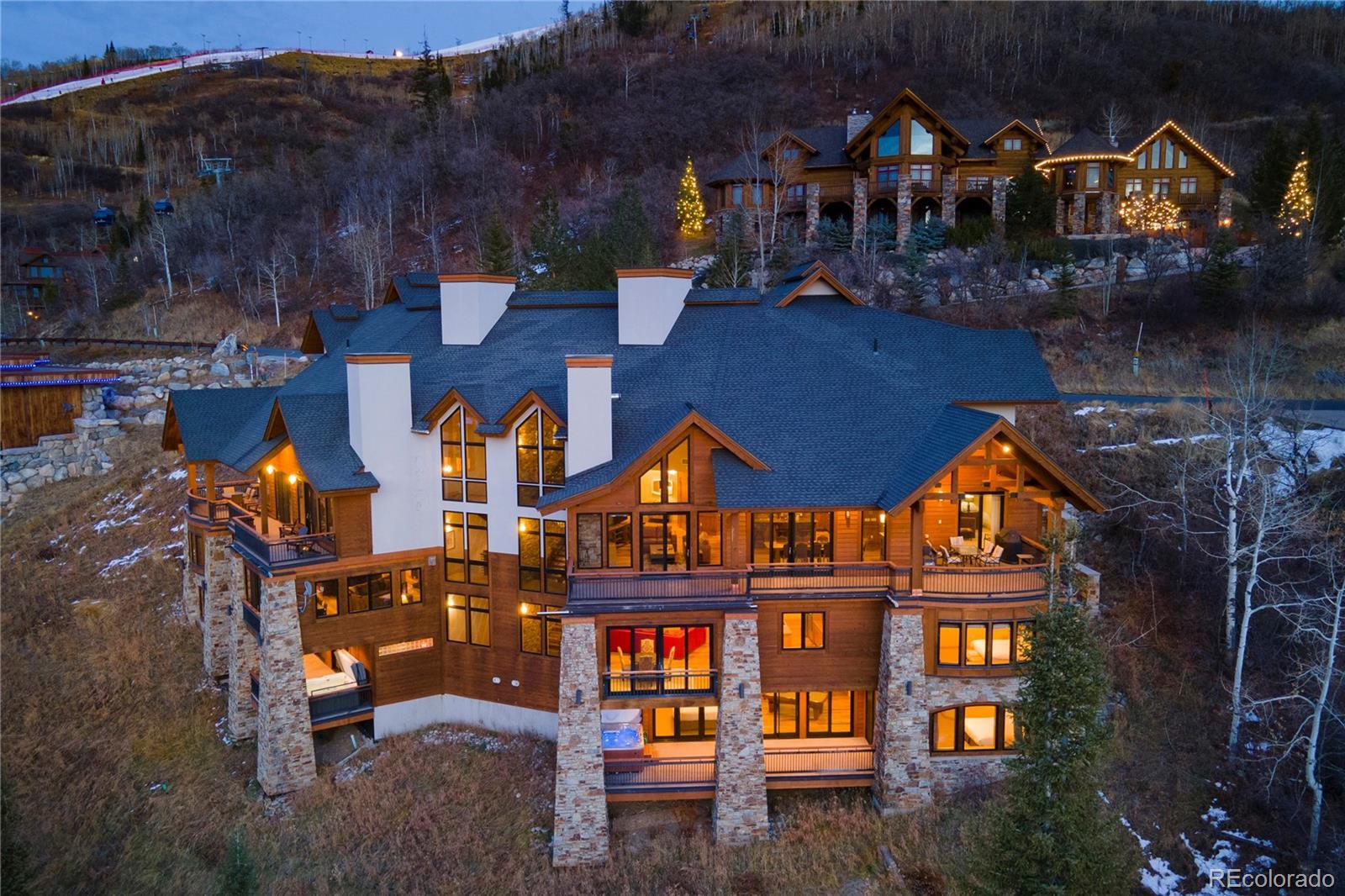2607 Ski Trail Lane Property Photo 1