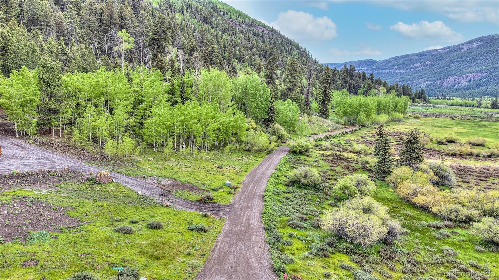 Aspen Lane Property Photo 1