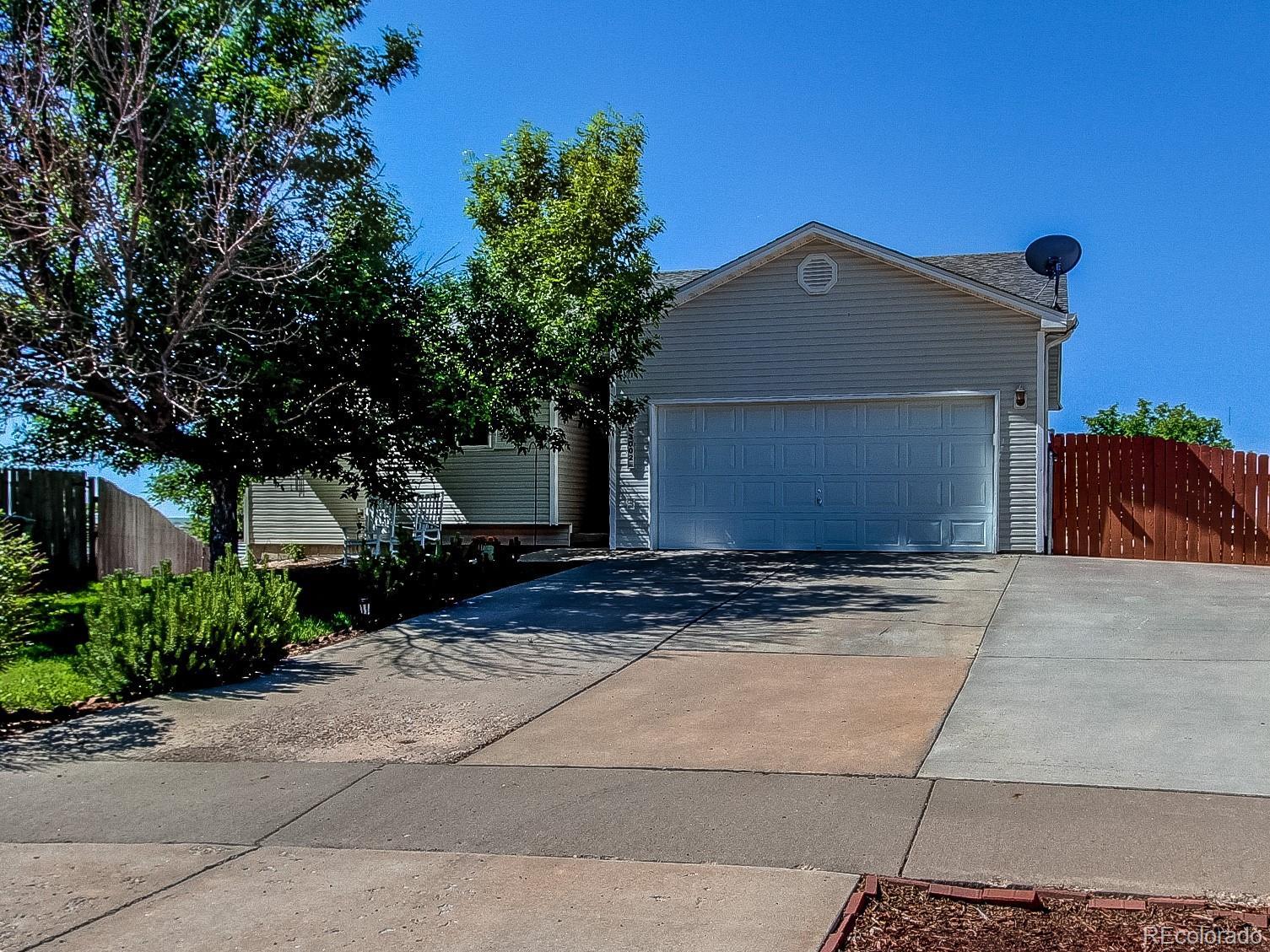 3002 Hawk Drive Property Photo - Evans, CO real estate listing