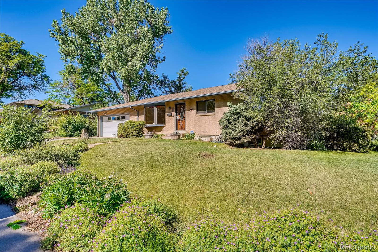 3403 S Ivanhoe Way Property Photo - Denver, CO real estate listing