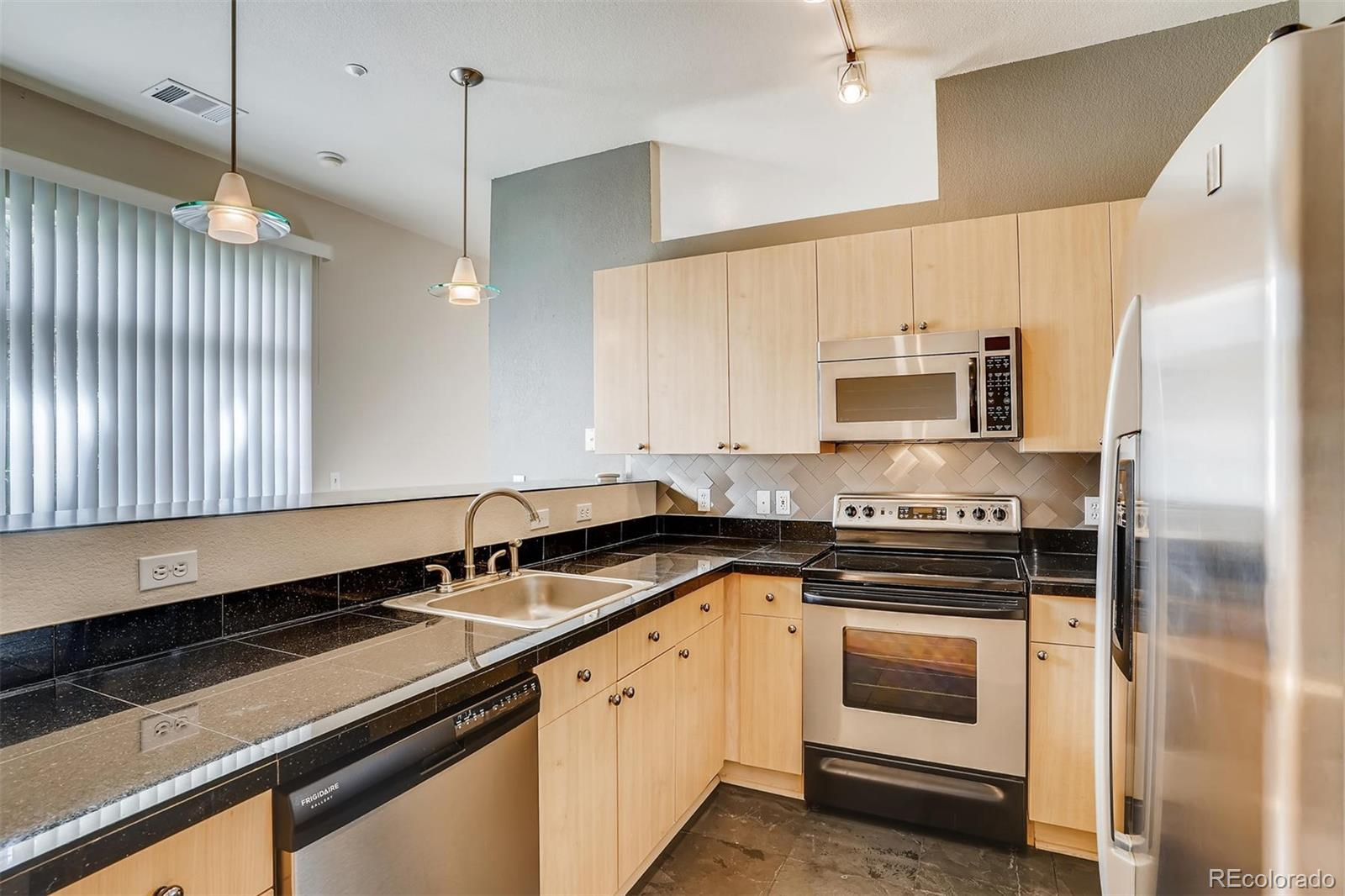 5677 S Park Place #106B Property Photo - Greenwood Village, CO real estate listing