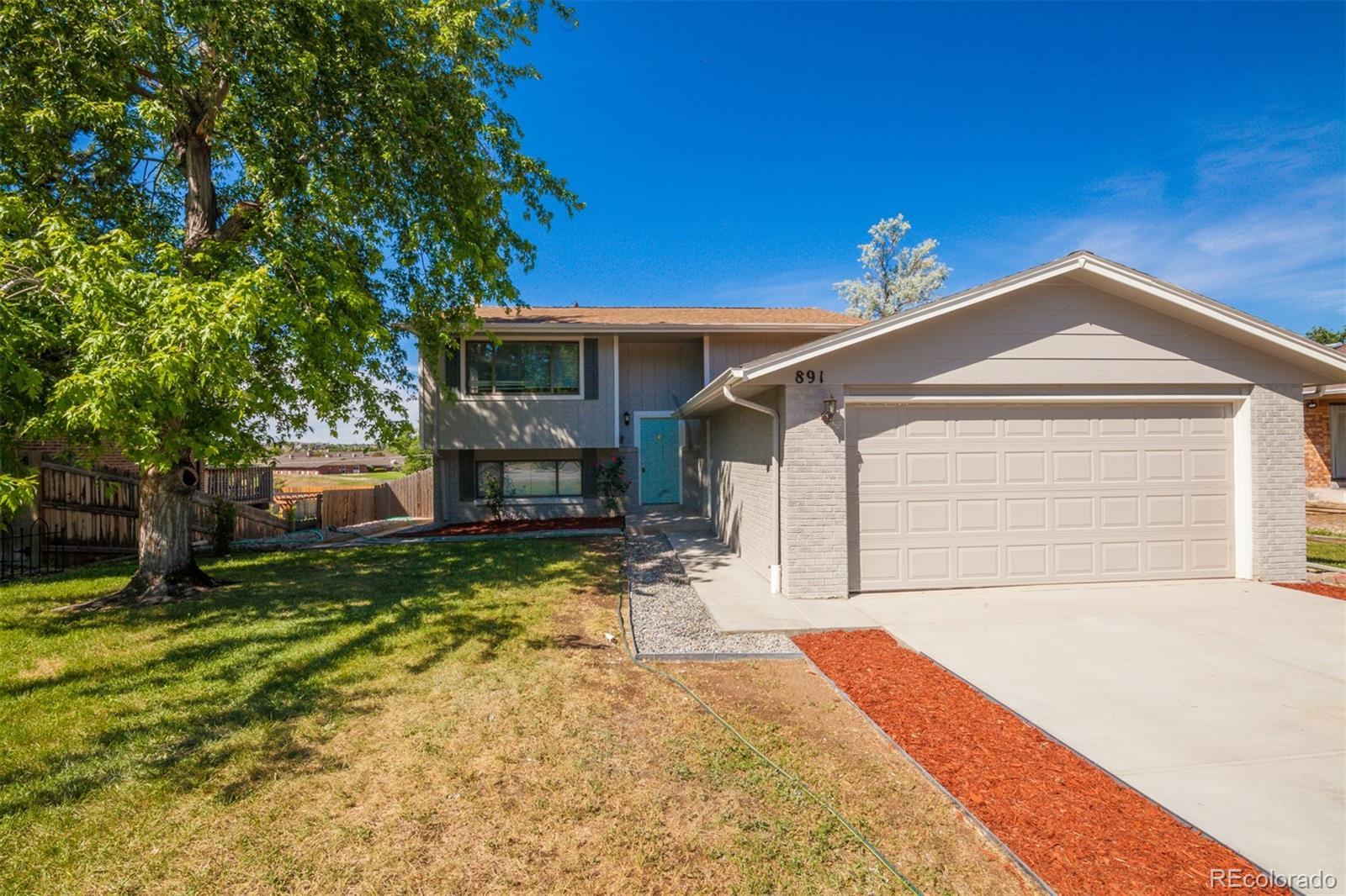 891 Sable Boulevard Property Photo - Aurora, CO real estate listing
