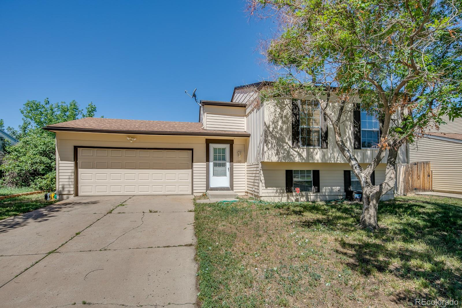 1621 Fundy Way Property Photo - Aurora, CO real estate listing