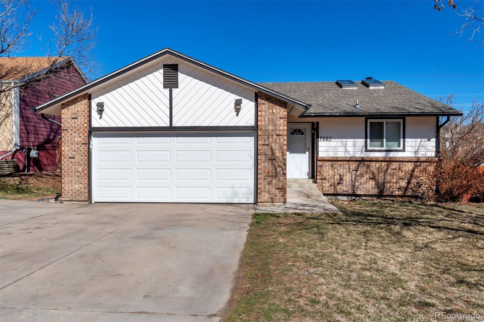 7065 W Kentucky Avenue Property Photo - Lakewood, CO real estate listing
