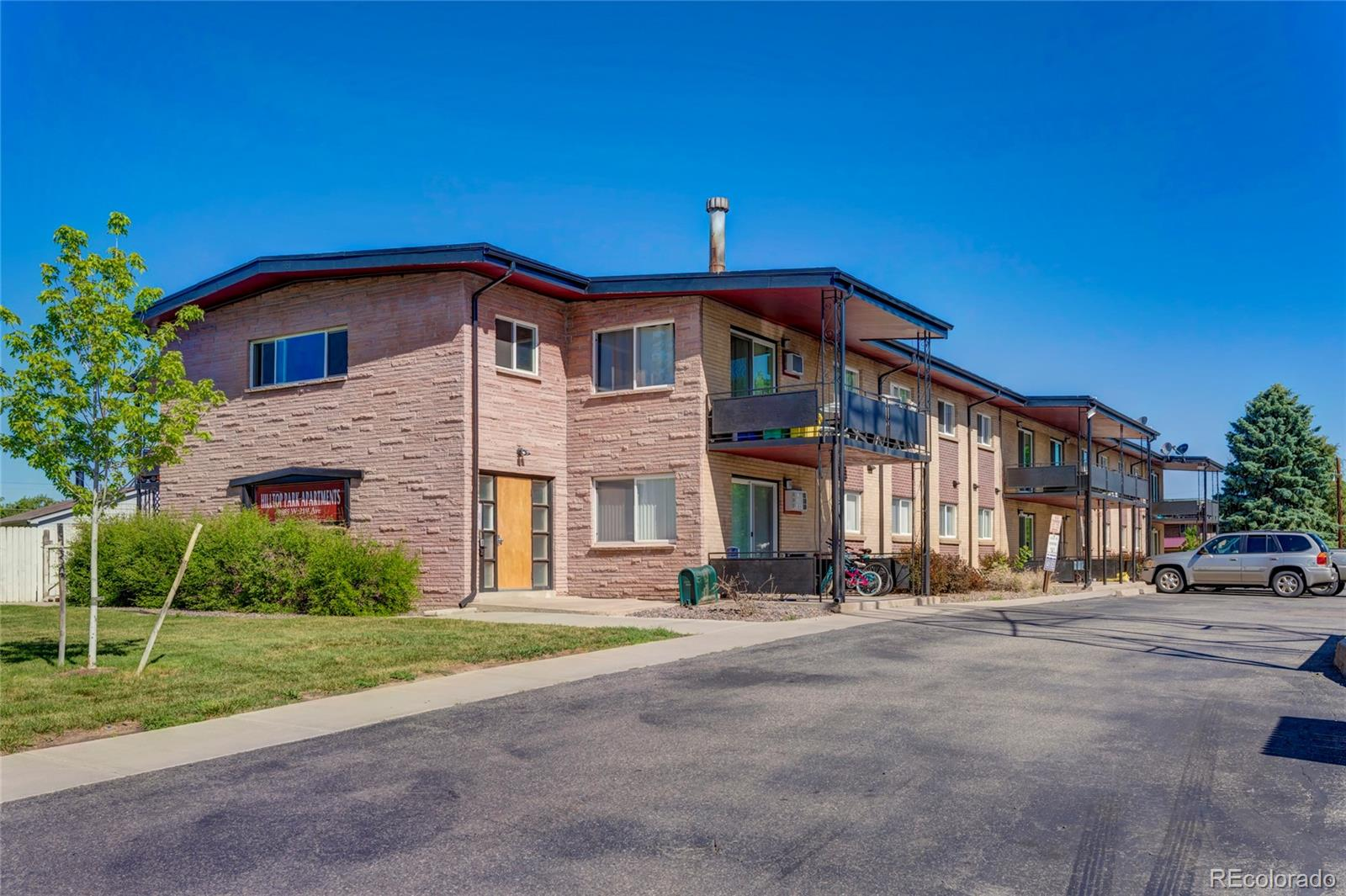 9885 W 21st Avenue Property Photo - Lakewood, CO real estate listing
