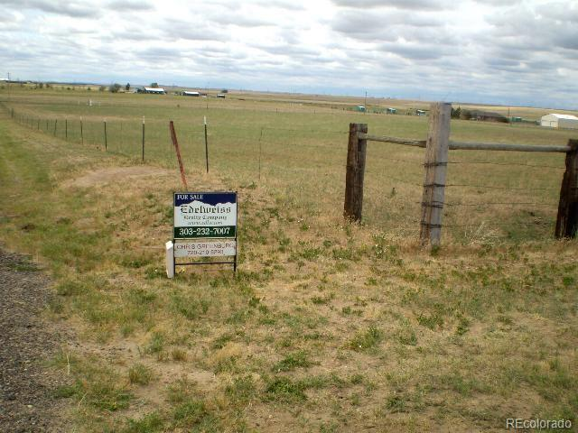 C.R. 149 Property Photo - Strasburg, CO real estate listing