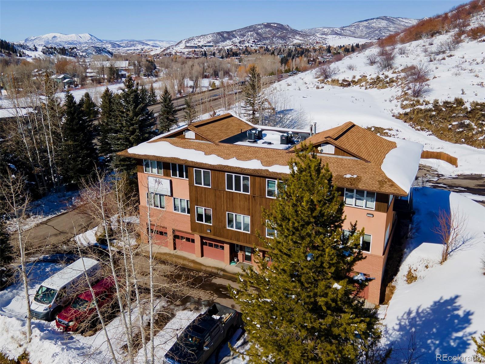 330 S Lincoln Avenue Property Photo 1