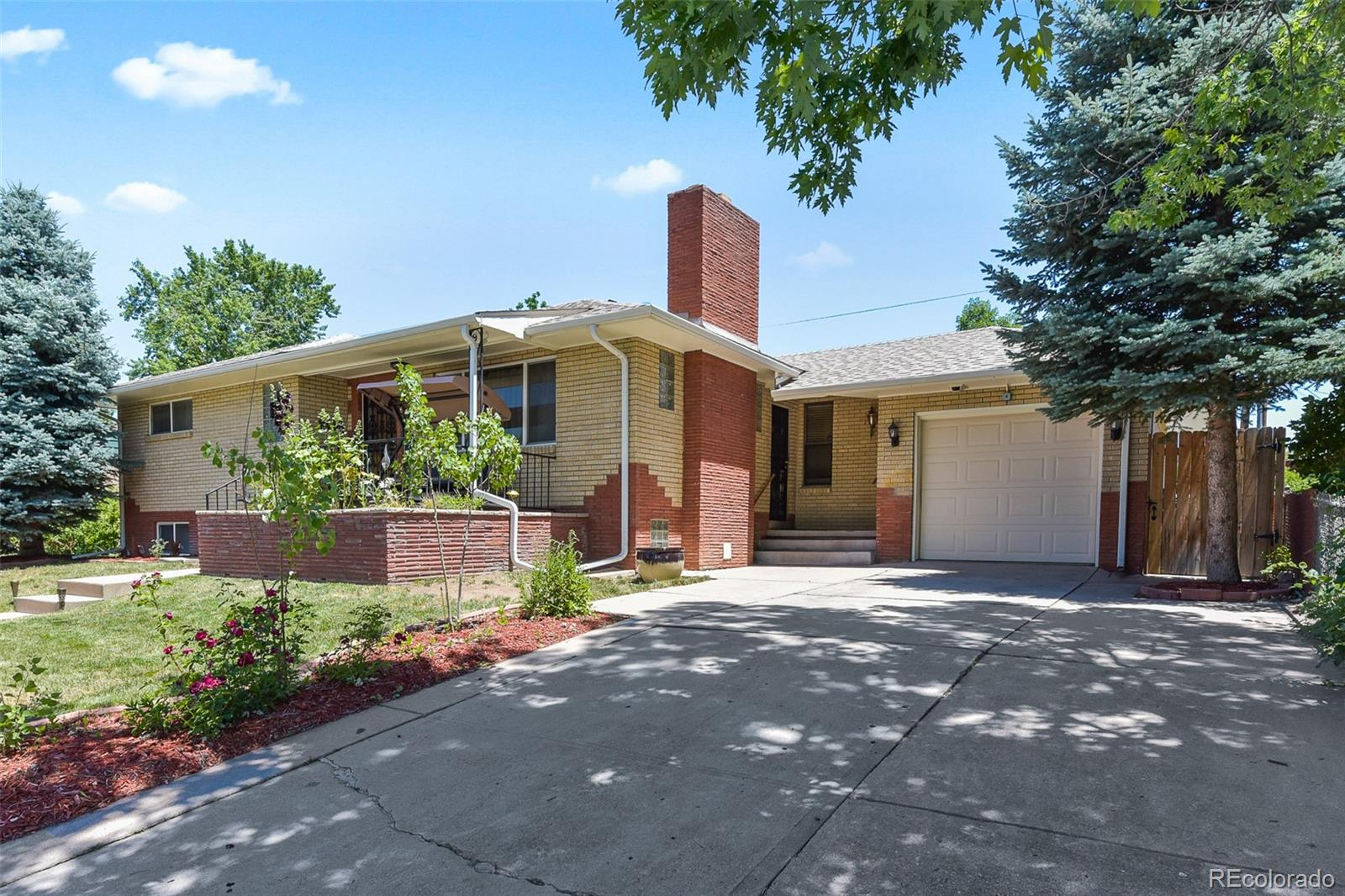 5884 S Fox Way Property Photo - Littleton, CO real estate listing