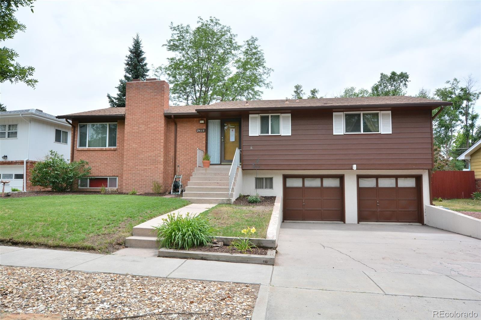 2418 N Circle Drive Property Photo - Colorado Springs, CO real estate listing