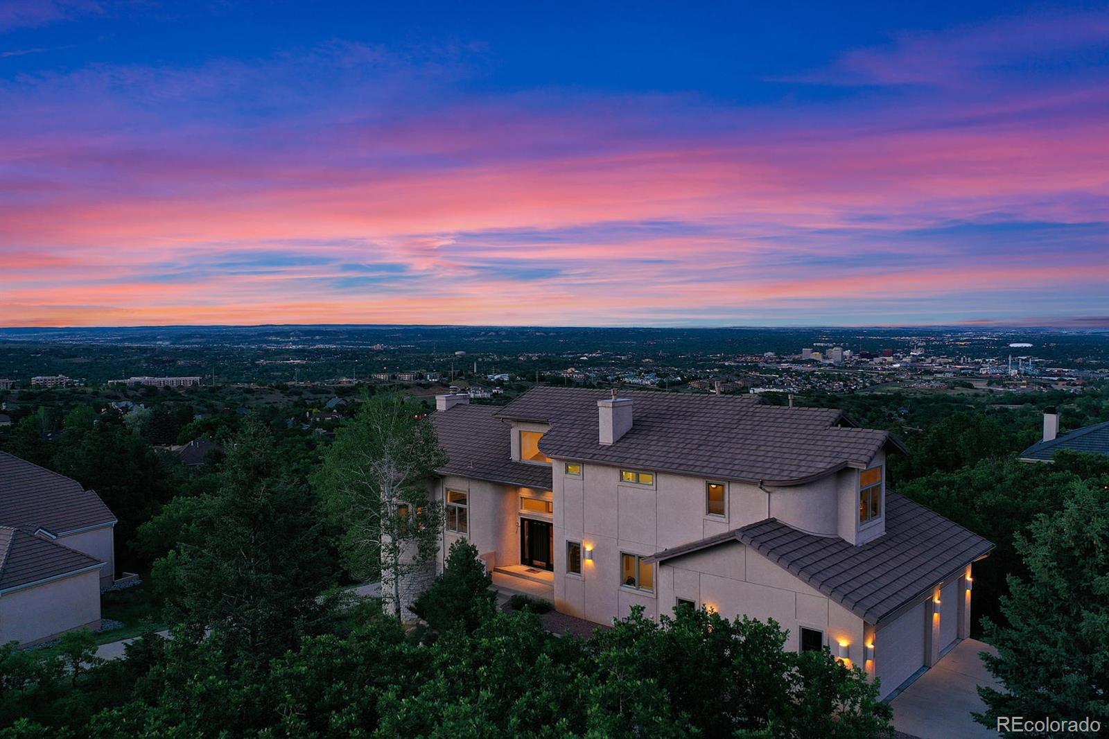 549 Vista Grande Drive Property Photo - Colorado Springs, CO real estate listing