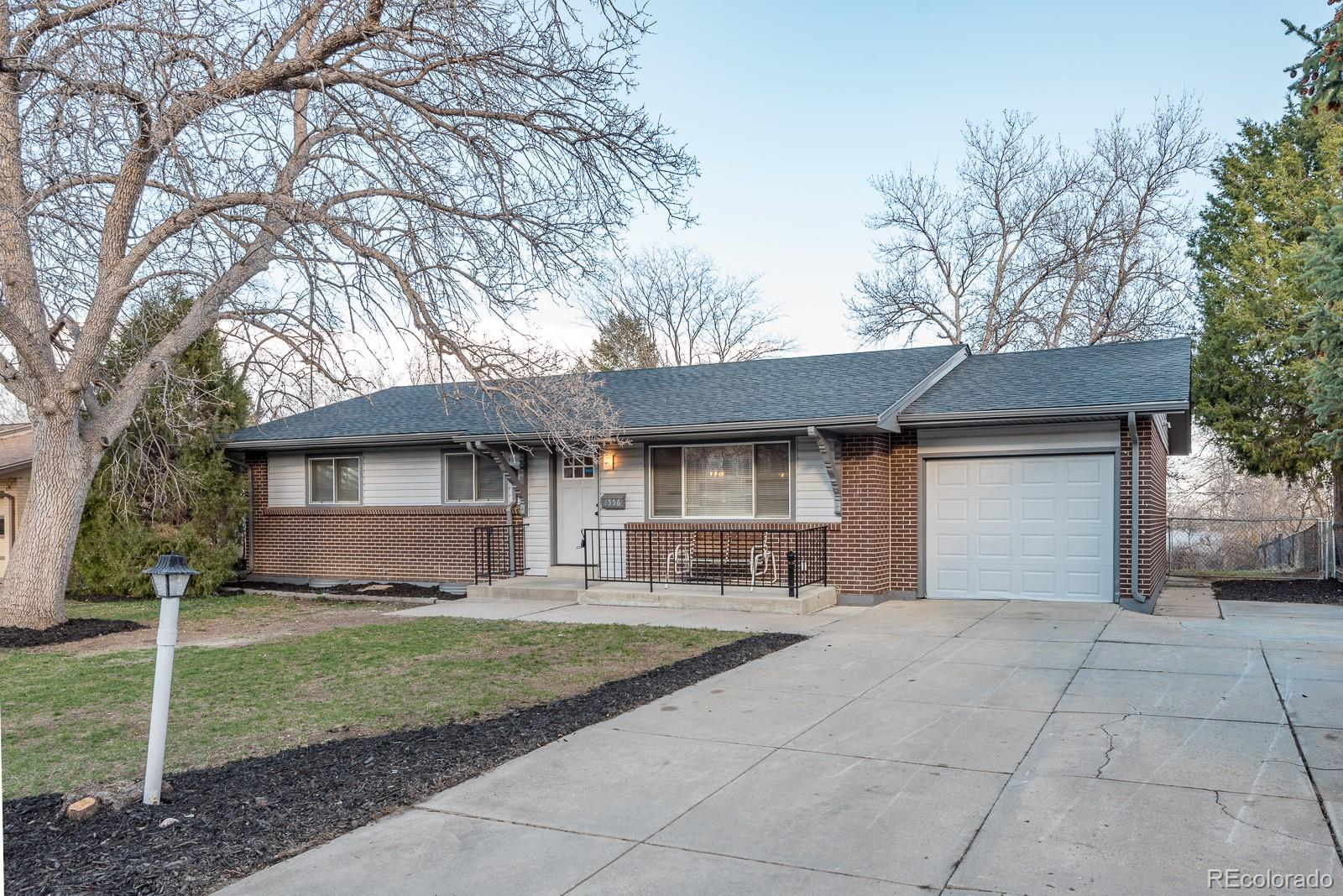 1556 S Welch Circle Property Photo - Lakewood, CO real estate listing