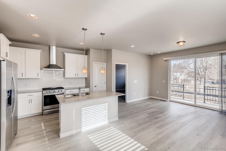 687 Stonebridge Drive Property Photo - Longmont, CO real estate listing