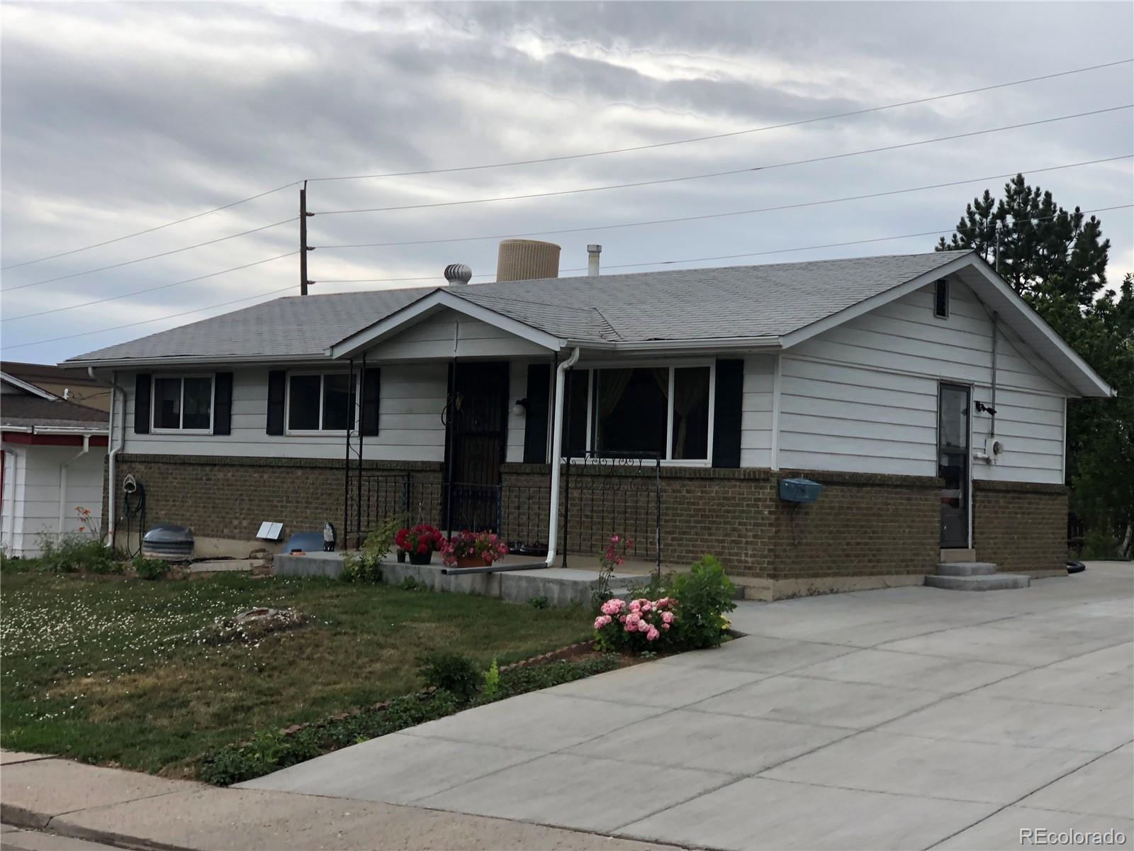 8651 Wagner Drive Property Photo - Westminster, CO real estate listing
