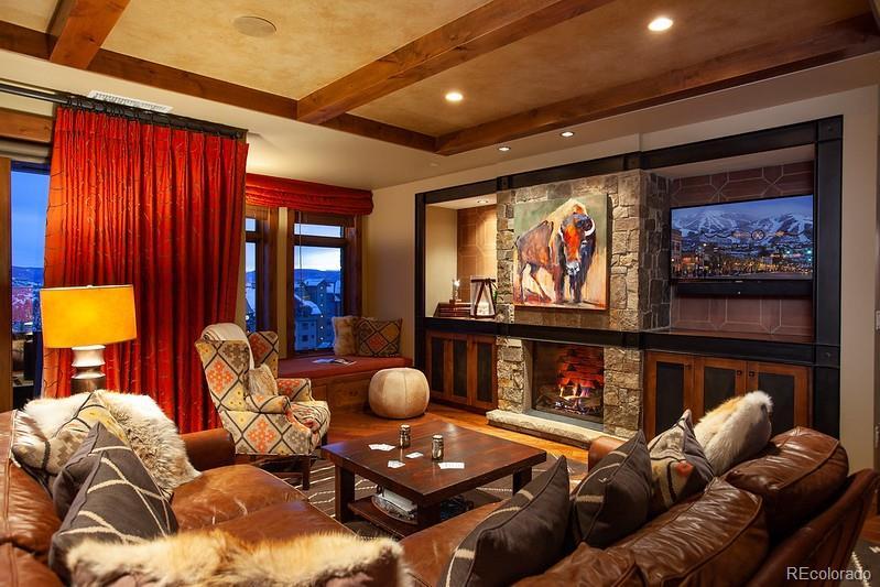 2250 Apres Ski Way #r-512 Property Photo 1