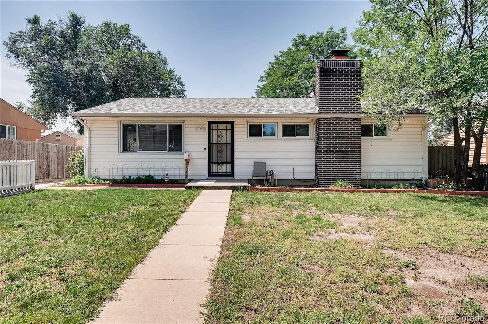 2828 N Circle Drive Property Photo - Colorado Springs, CO real estate listing