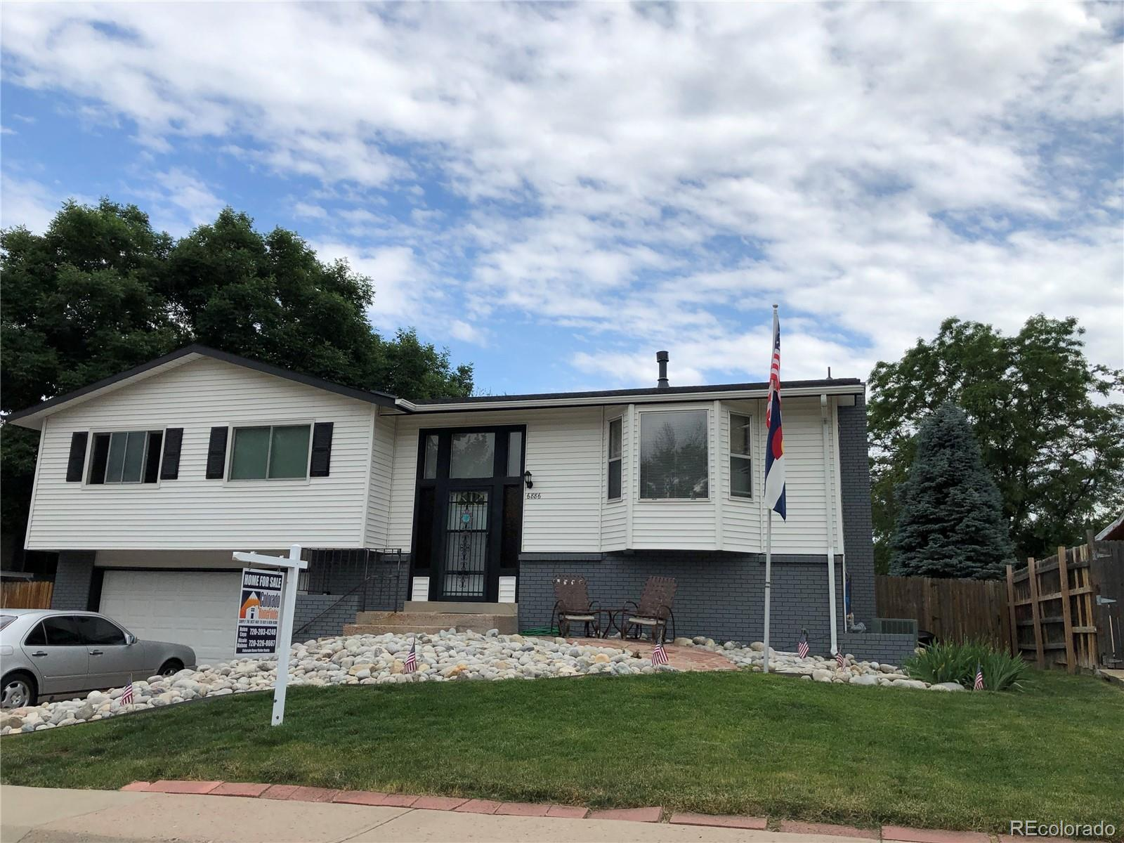 6886 W Rowland Avenue Property Photo - Littleton, CO real estate listing