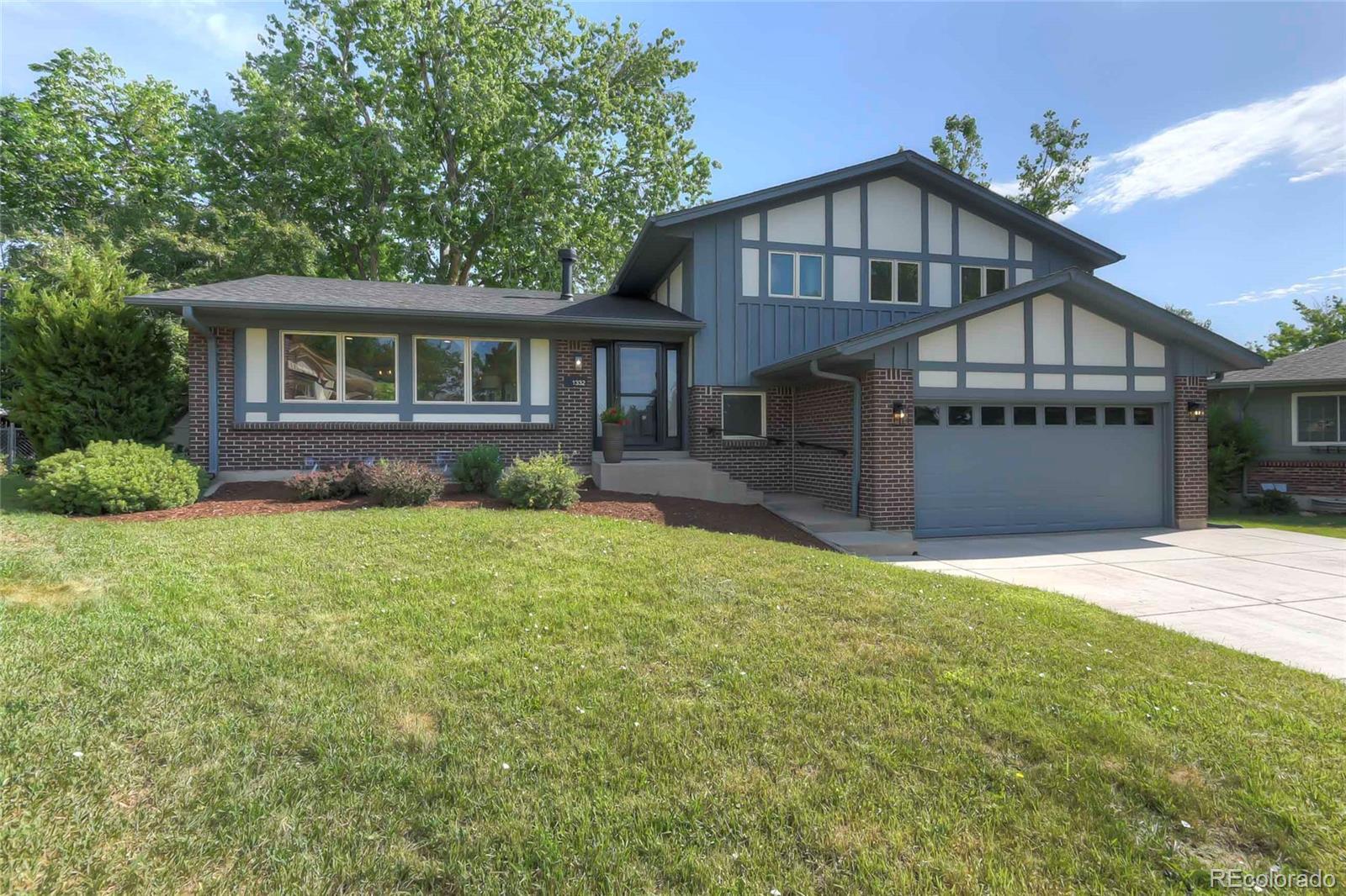1332 S Yank Street Property Photo - Lakewood, CO real estate listing