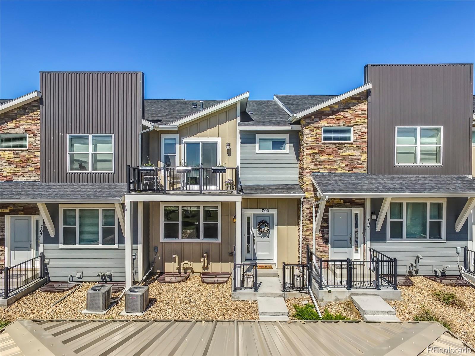 705 Robert Street Property Photo - Longmont, CO real estate listing