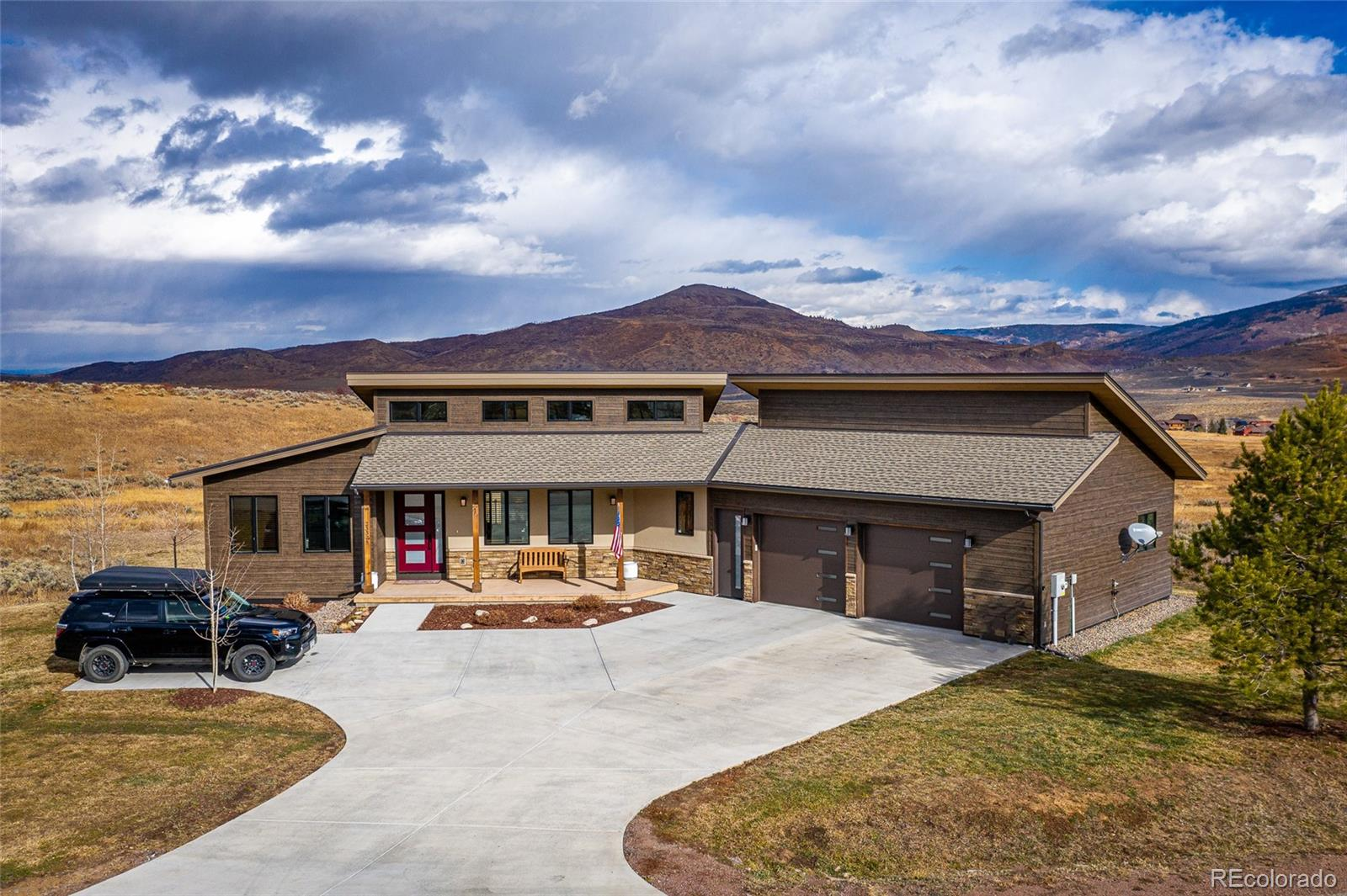 23325 Stageline Avenue Property Photo - Oak Creek, CO real estate listing