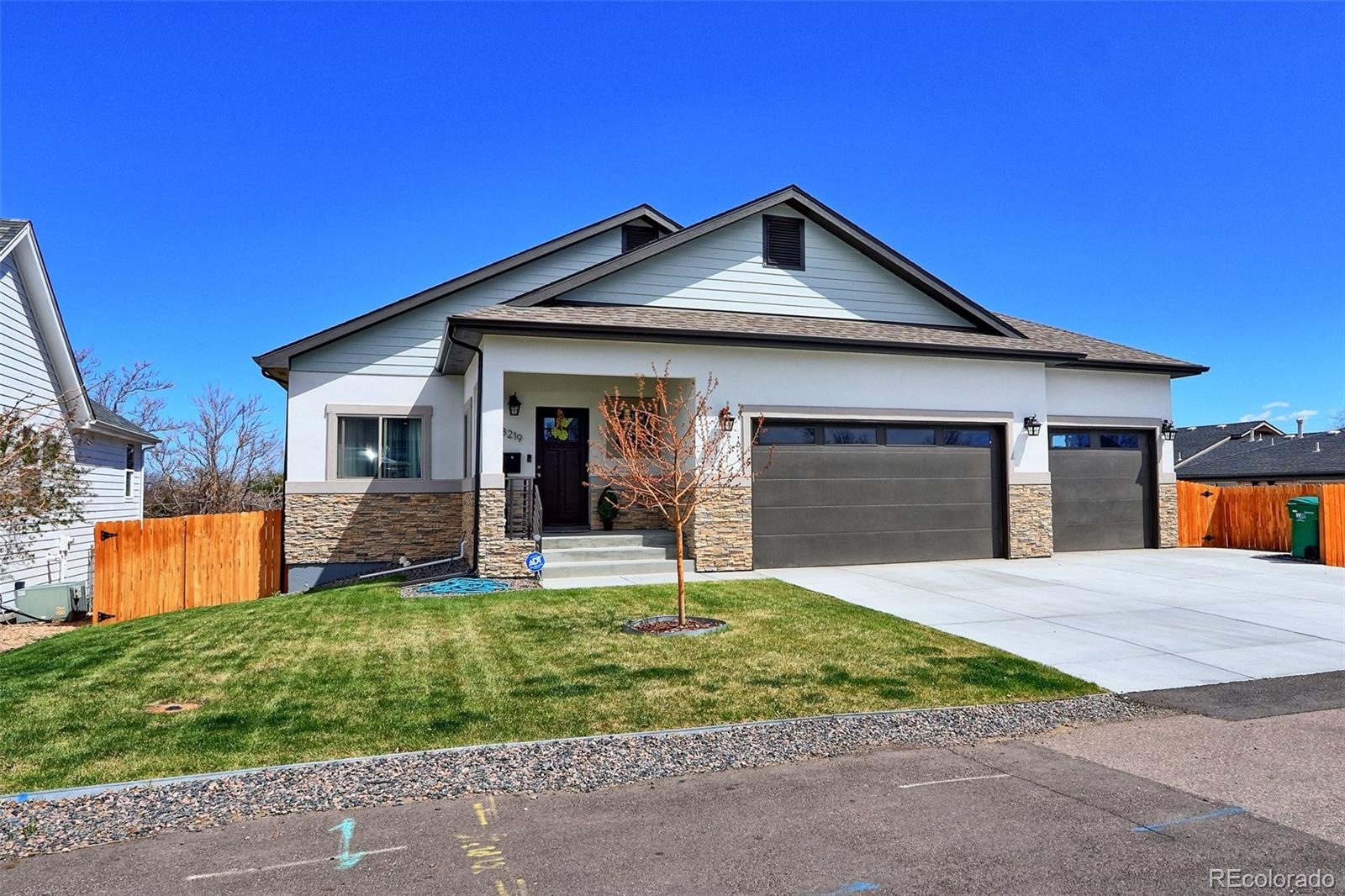 8219 W Mexico Avenue, Lakewood, CO 80232 - Lakewood, CO real estate listing