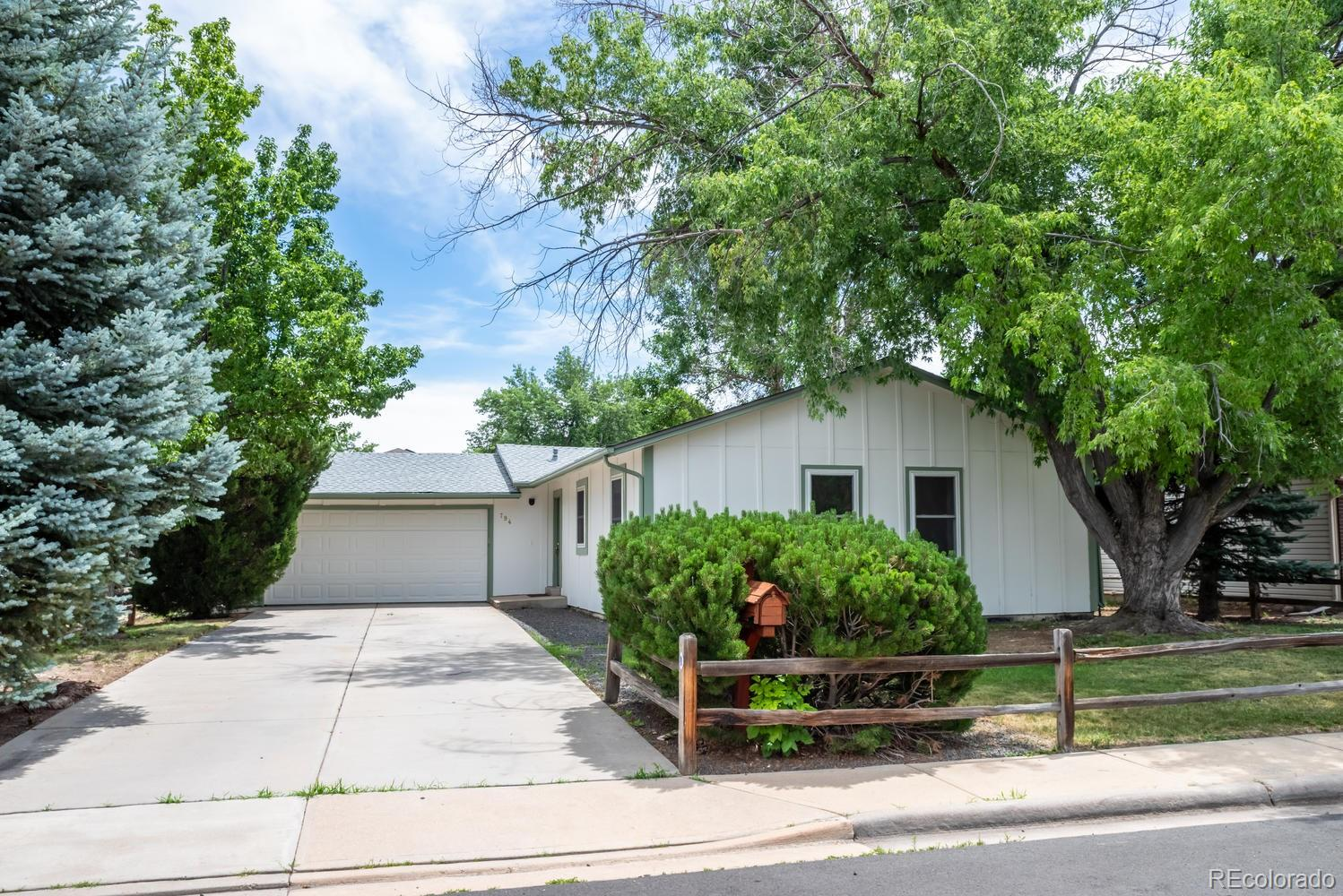 794 Dexter Drive Property Photo - Broomfield, CO real estate listing