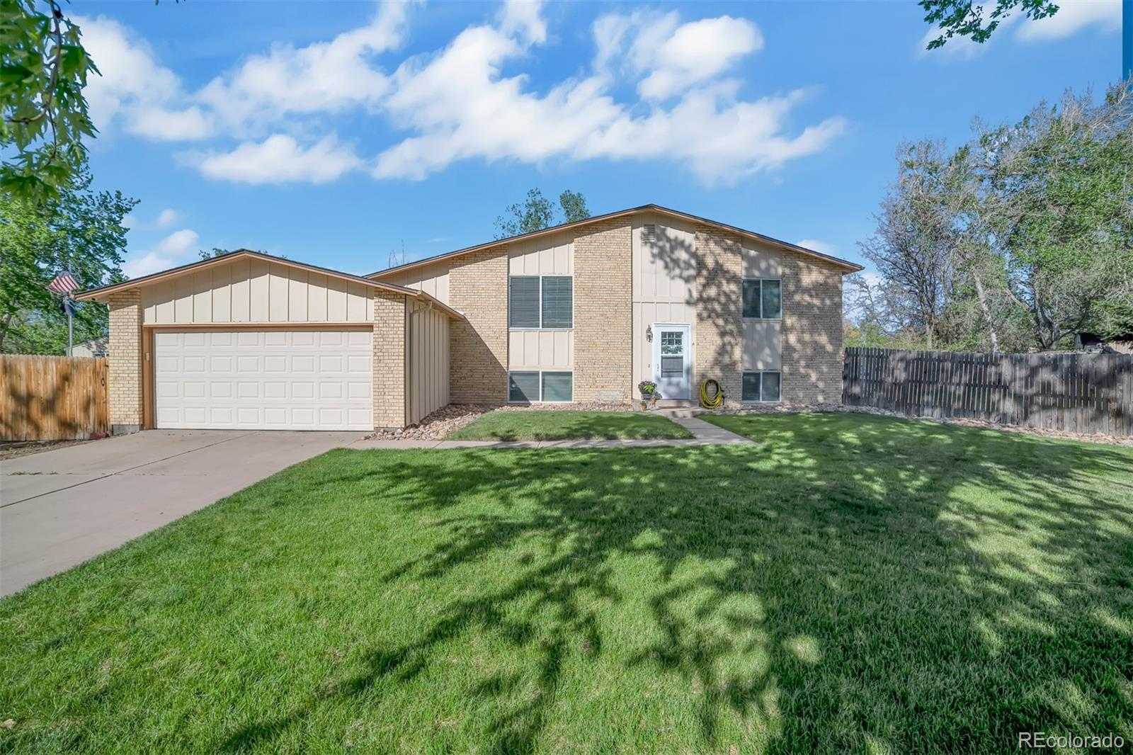 3170 S Mobile Way Property Photo - Aurora, CO real estate listing