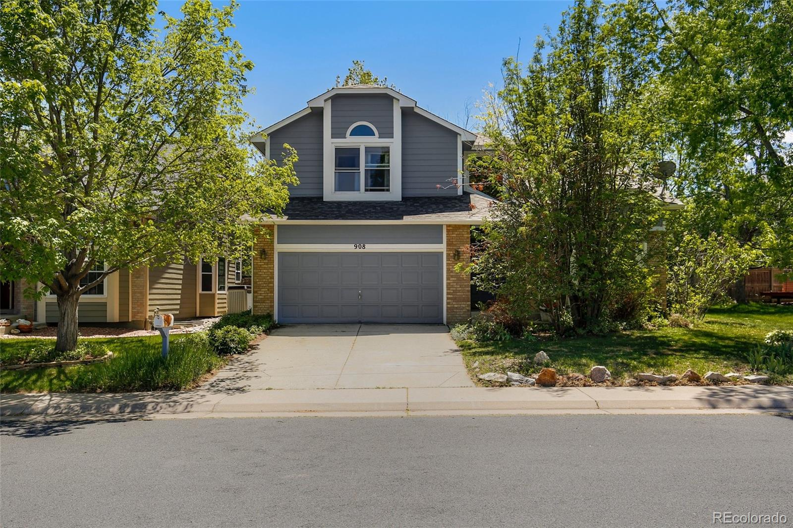 908 W Chestnut Circle Property Photo - Louisville, CO real estate listing