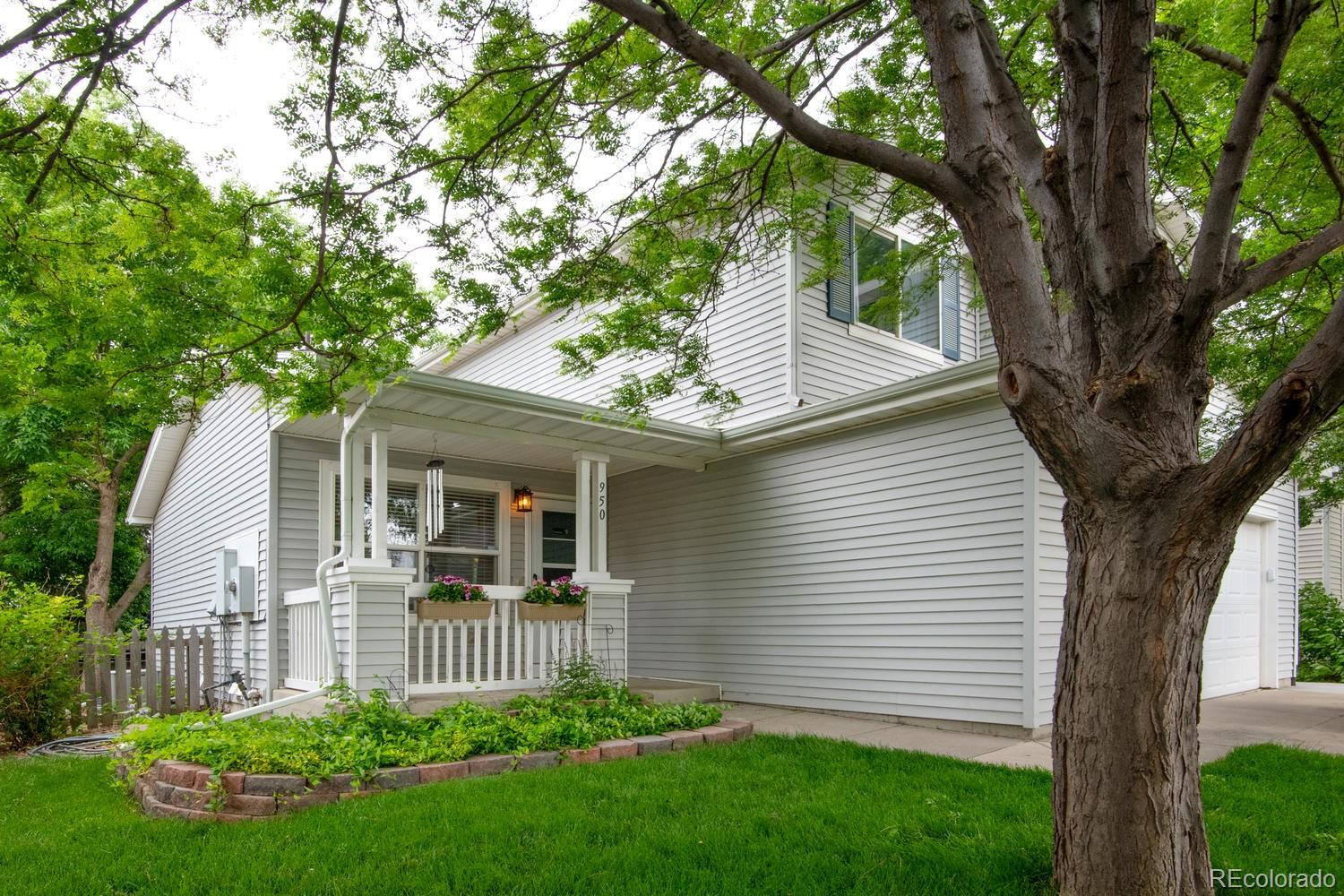 950 Wolf Creek Drive Property Photo - Longmont, CO real estate listing