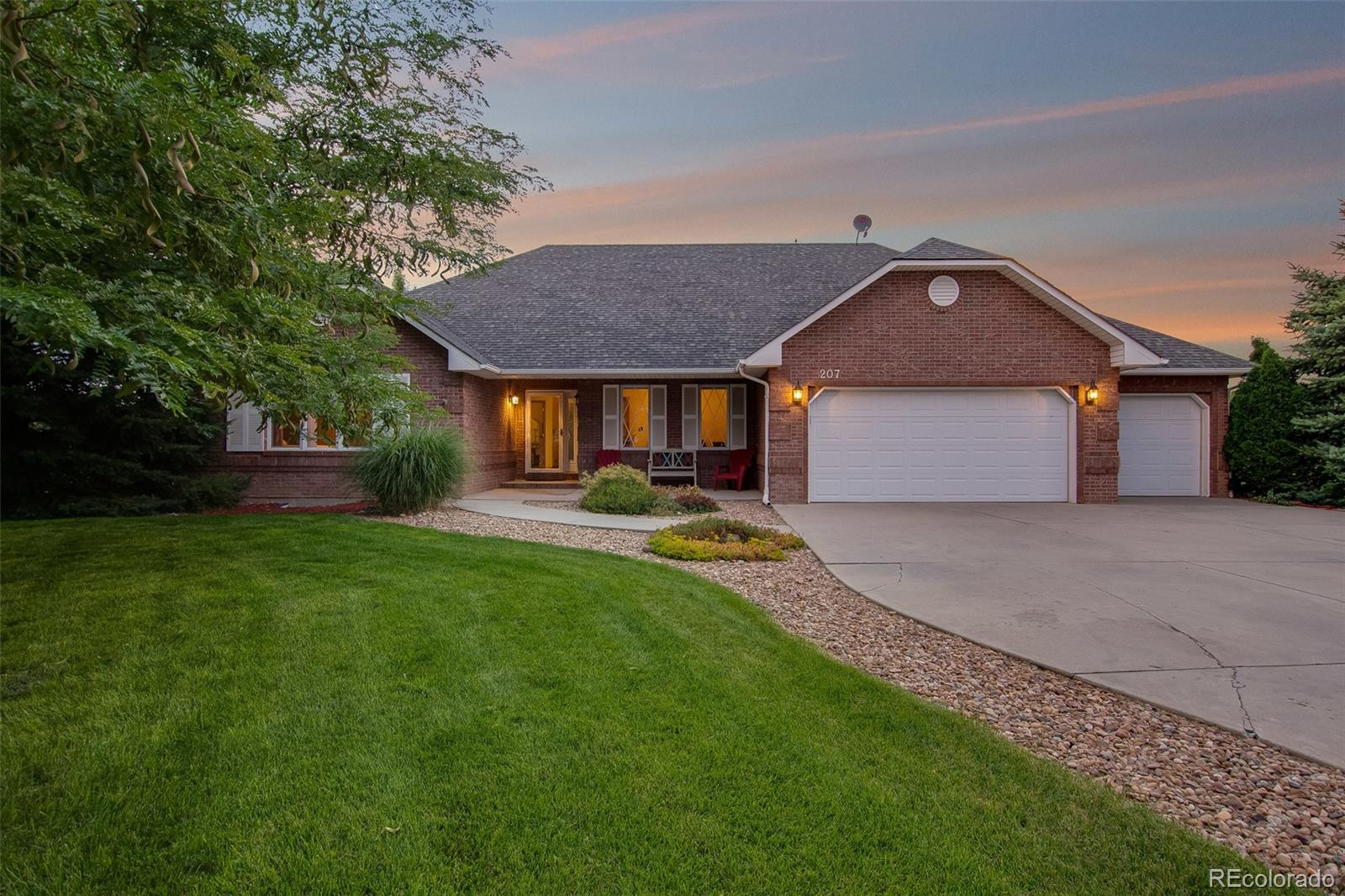 207 Grand View Circle Property Photo - Mead, CO real estate listing