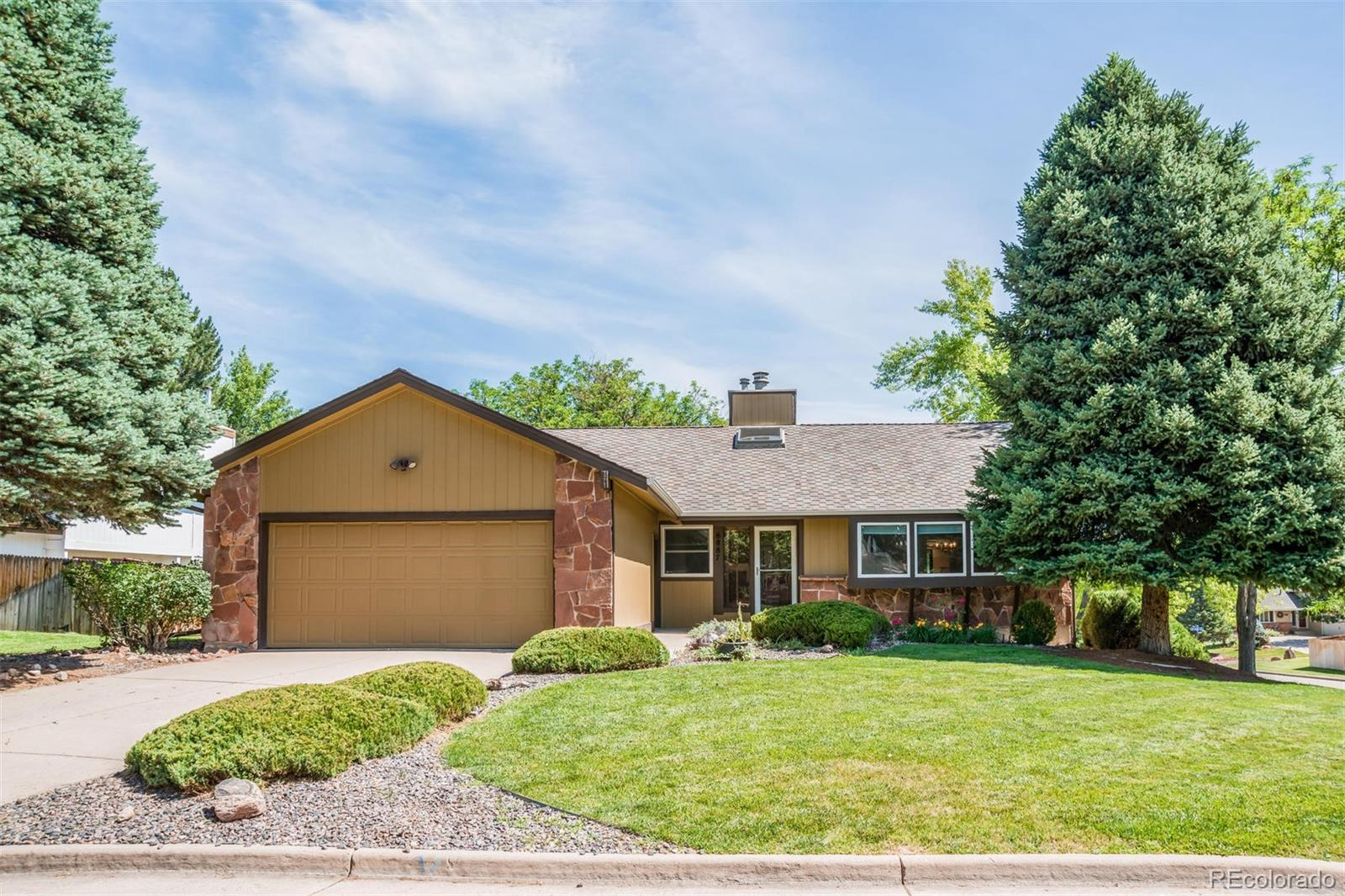 6887 E Long Avenue Property Photo - Centennial, CO real estate listing