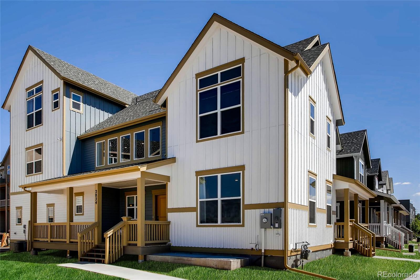 2876 S Fox Court Property Photo - Englewood, CO real estate listing