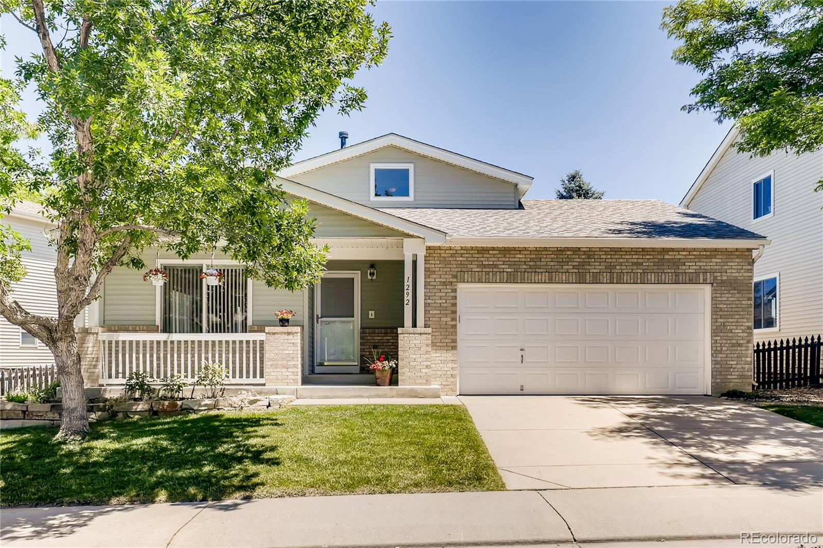 1292 Cumberland Drive Property Photo - Longmont, CO real estate listing