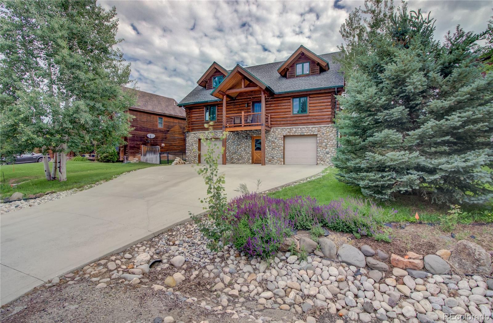 27437 Brandon Circle Property Photo 1