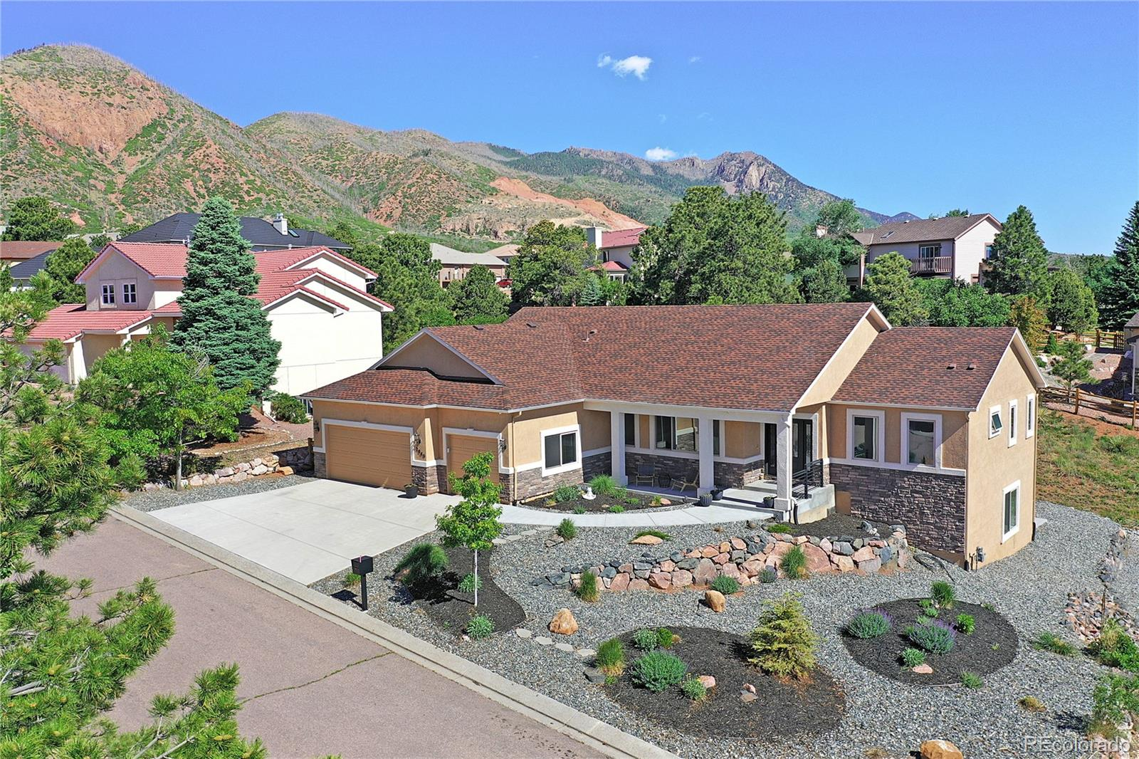 2640 Brogans Bluff Drive Property Photo - Colorado Springs, CO real estate listing