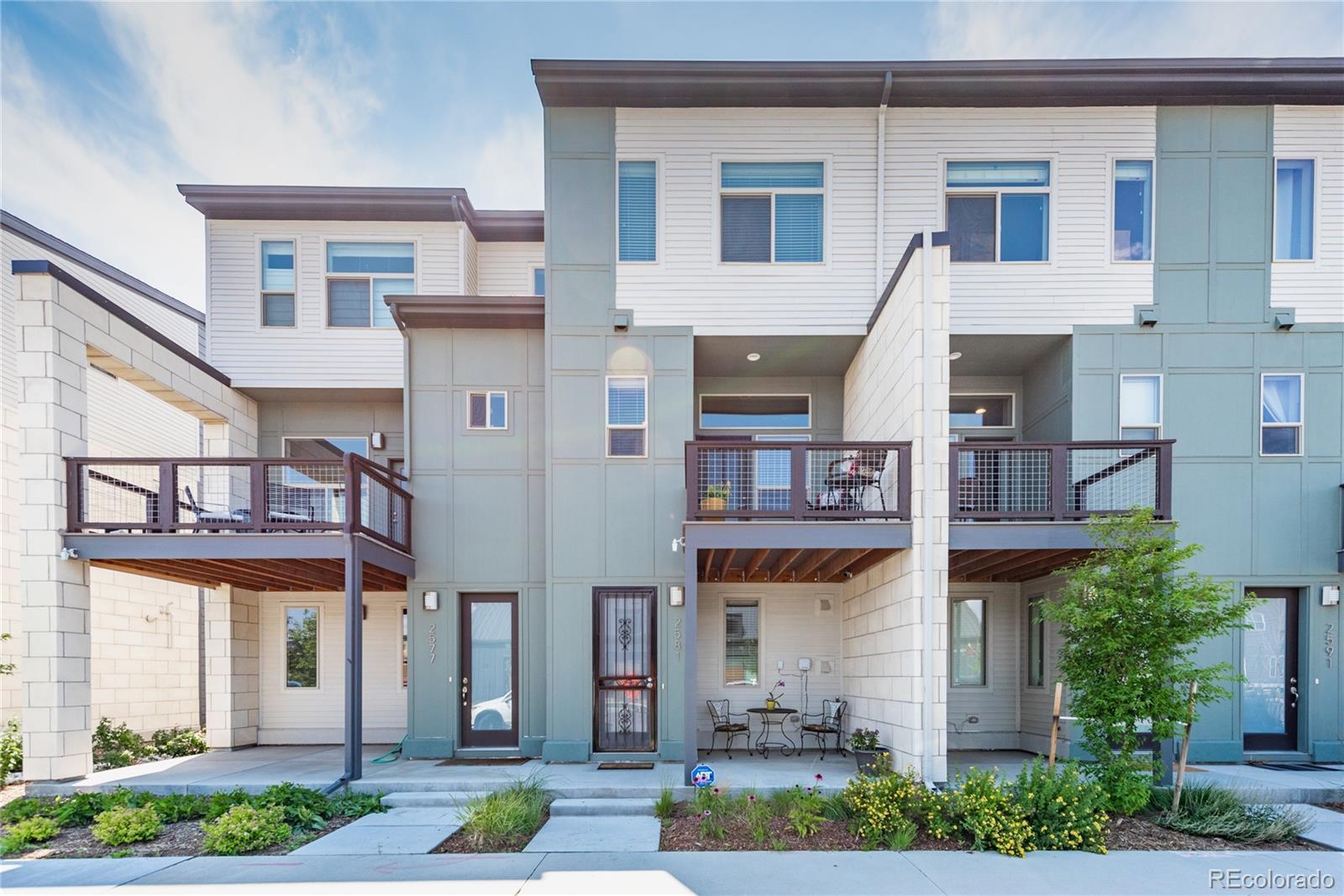 2581 Moline Street Property Photo - Aurora, CO real estate listing
