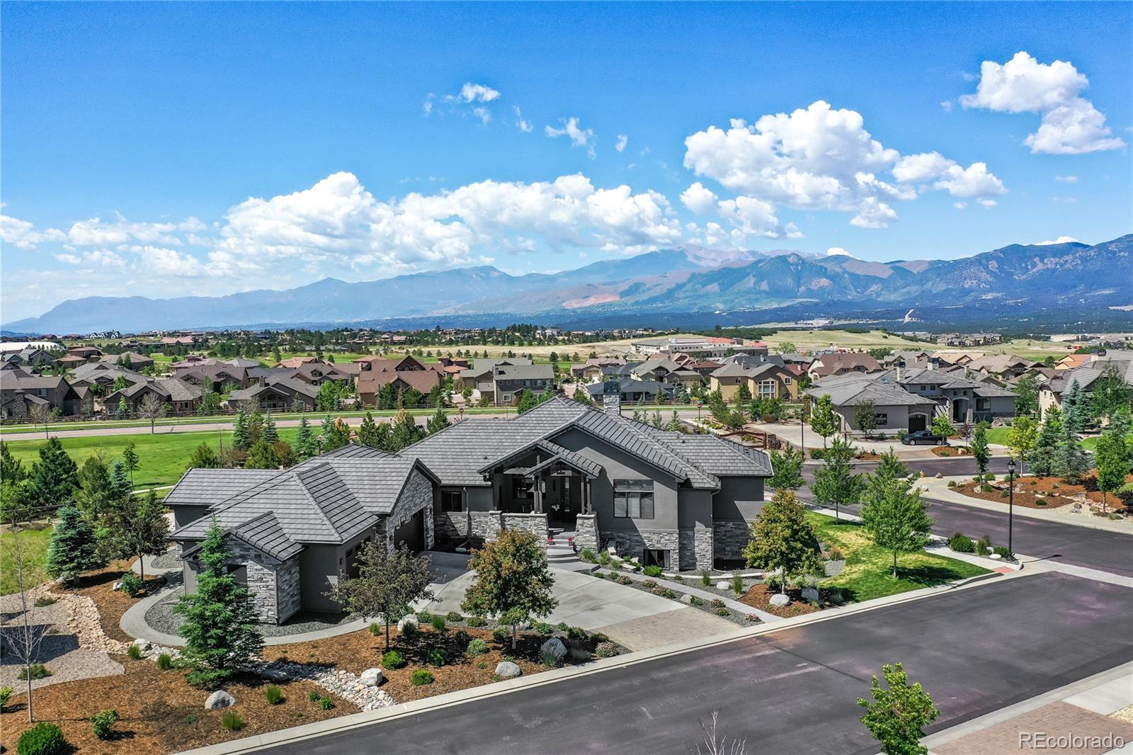 2121 Inglenook Grove Property Photo - Colorado Springs, CO real estate listing