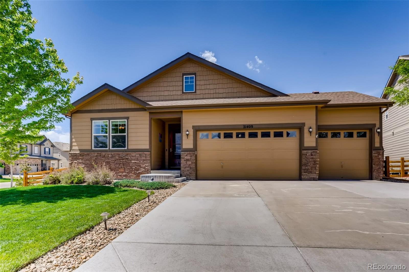 21409 E Union Drive Property Photo - Aurora, CO real estate listing