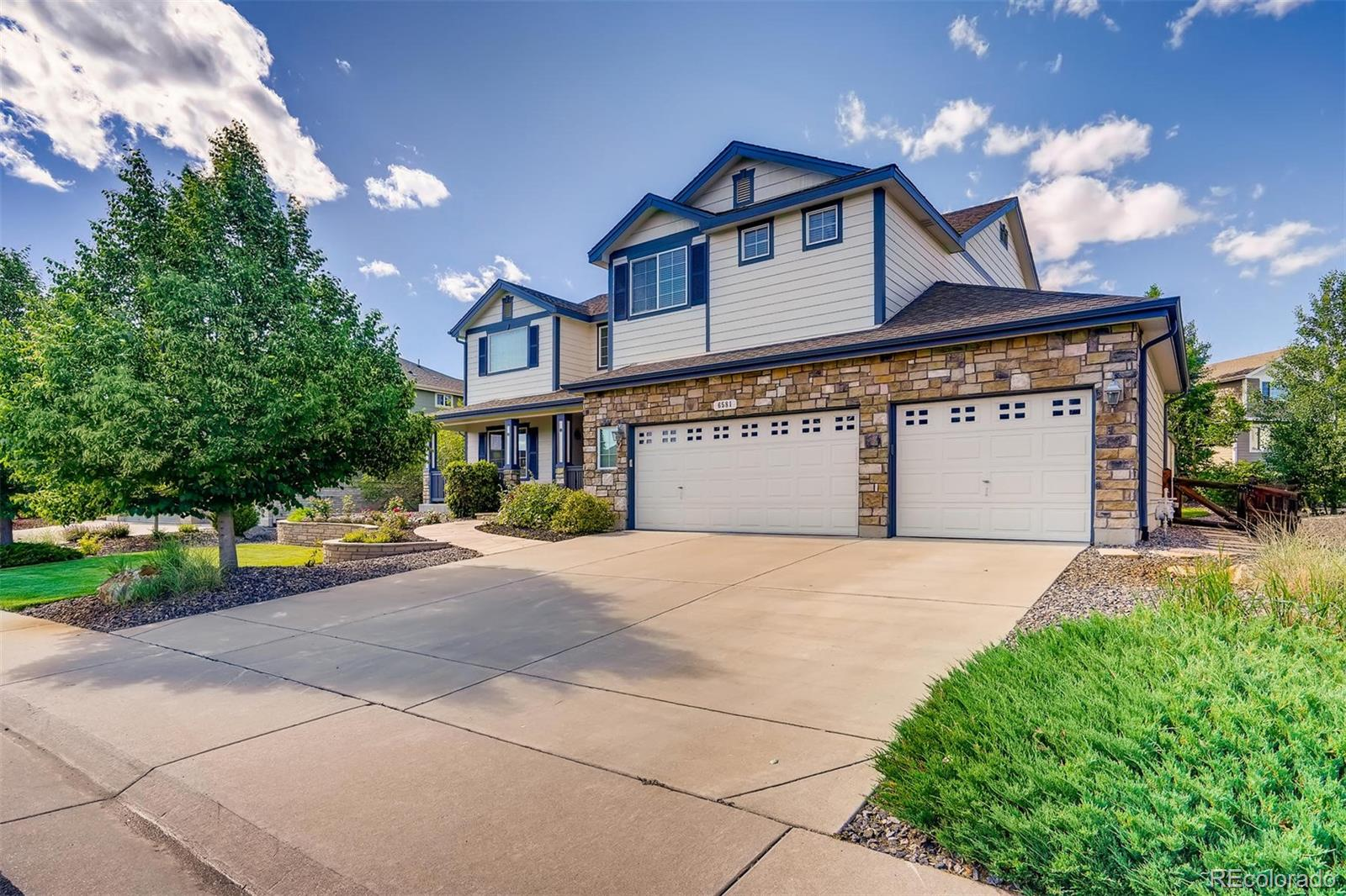 6581 S Rifle Way Property Photo - Aurora, CO real estate listing