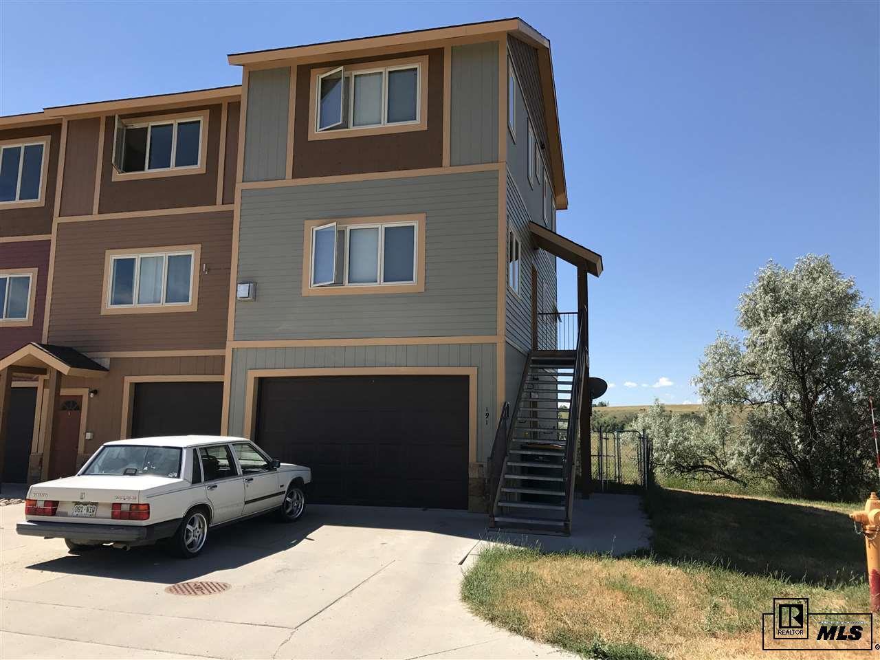191 S 6th Street Property Photo 1