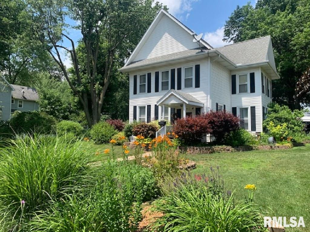 617 E PARK Property Photo - Taylorville, IL real estate listing