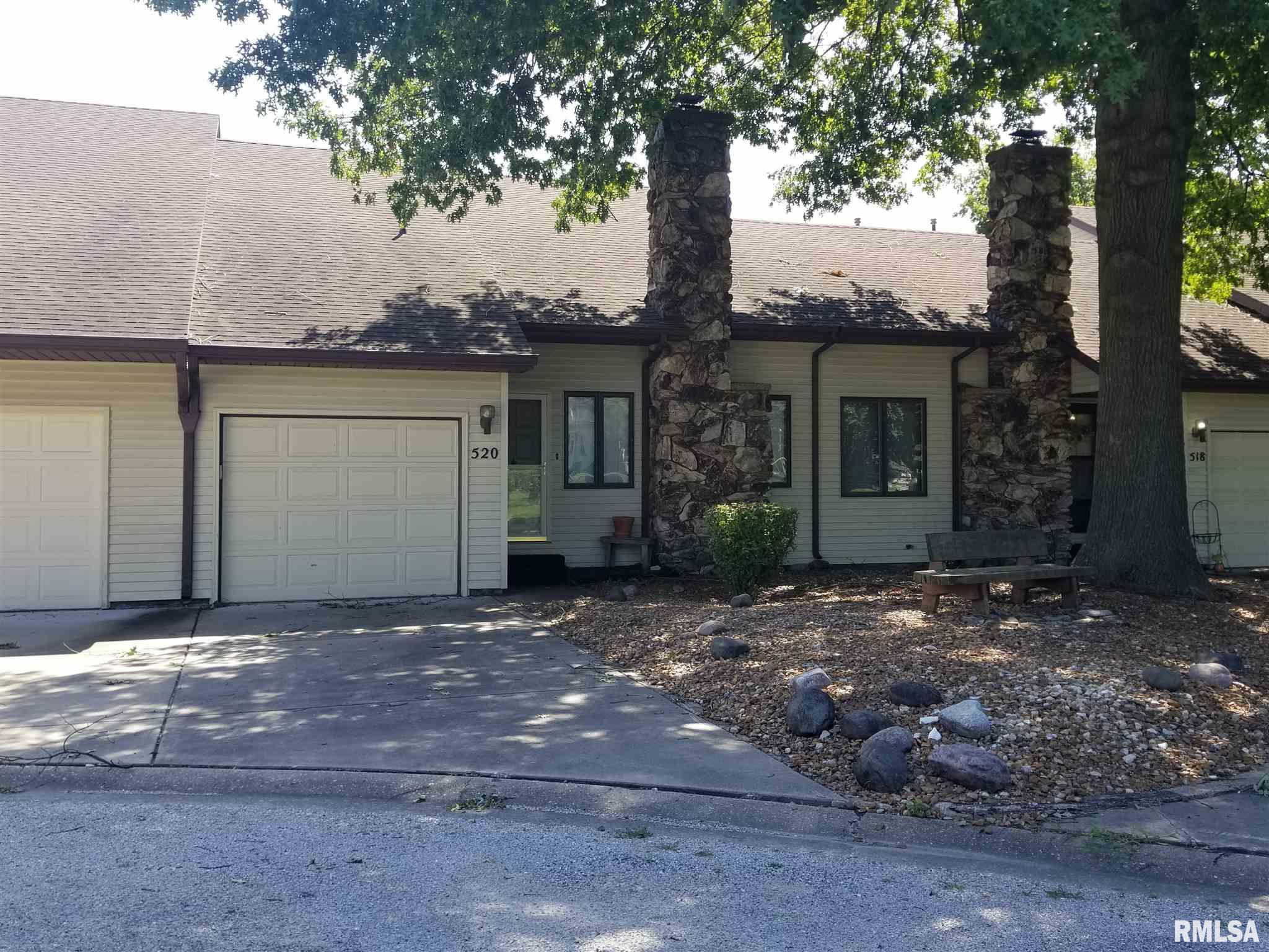 520 N SPRINGFIELD Property Photo - Virden, IL real estate listing
