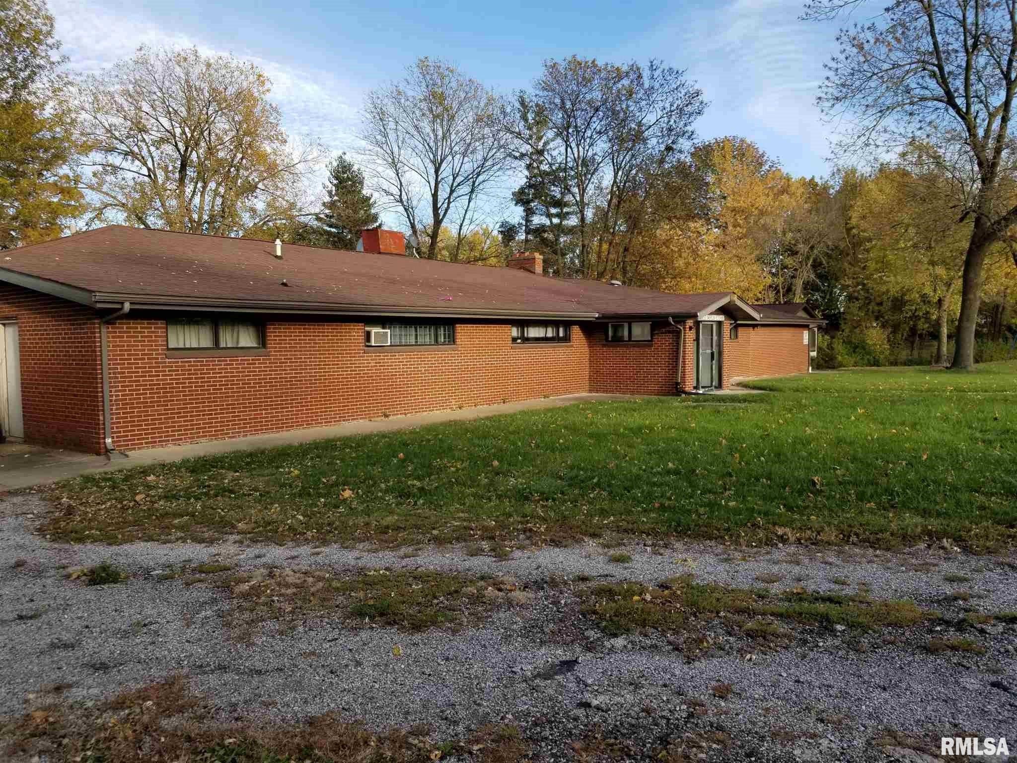 25 Club Area Property Photo - Springfield, IL real estate listing